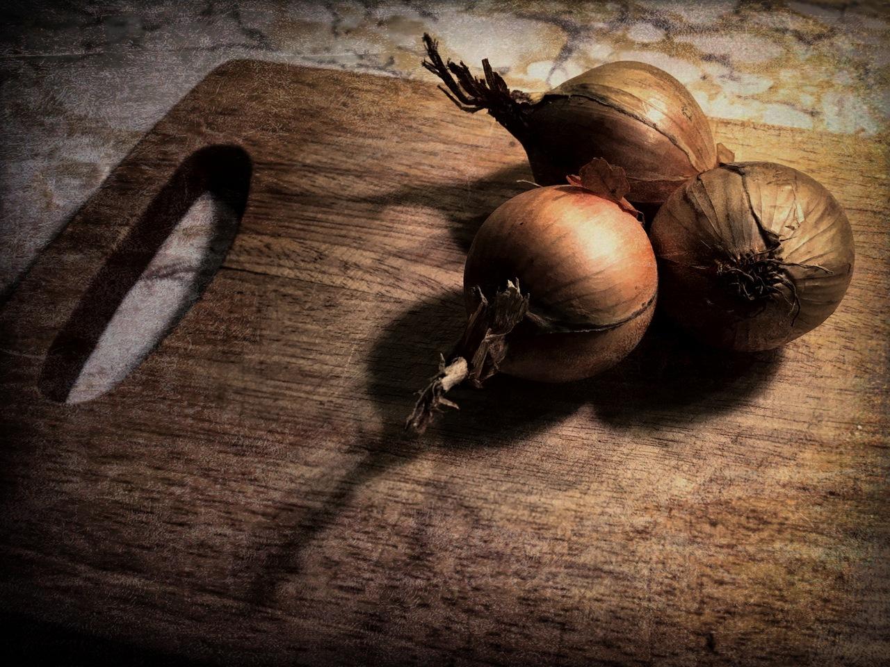 three onions by greycat