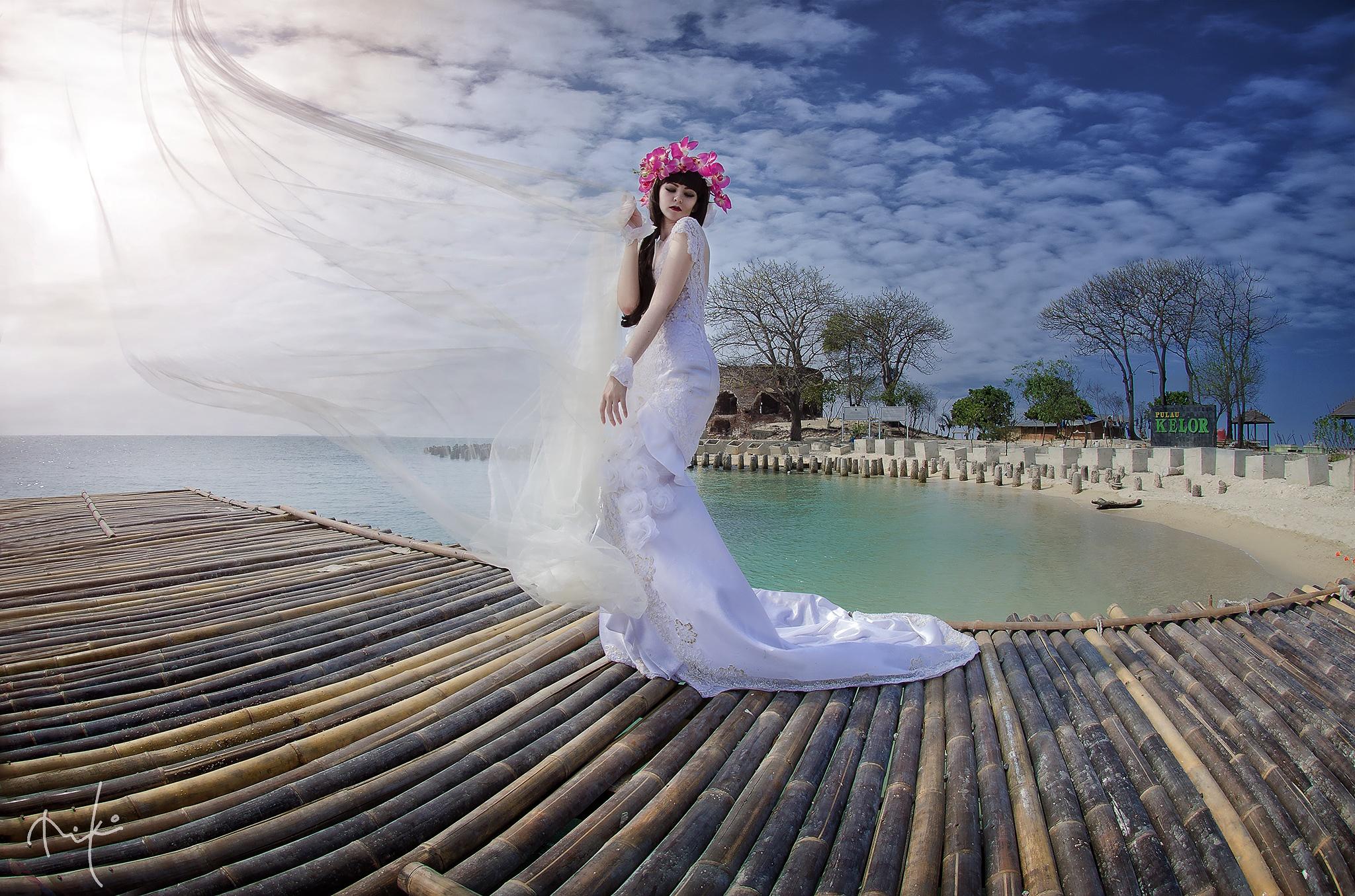 Dancing Queen by Miko Hidayat