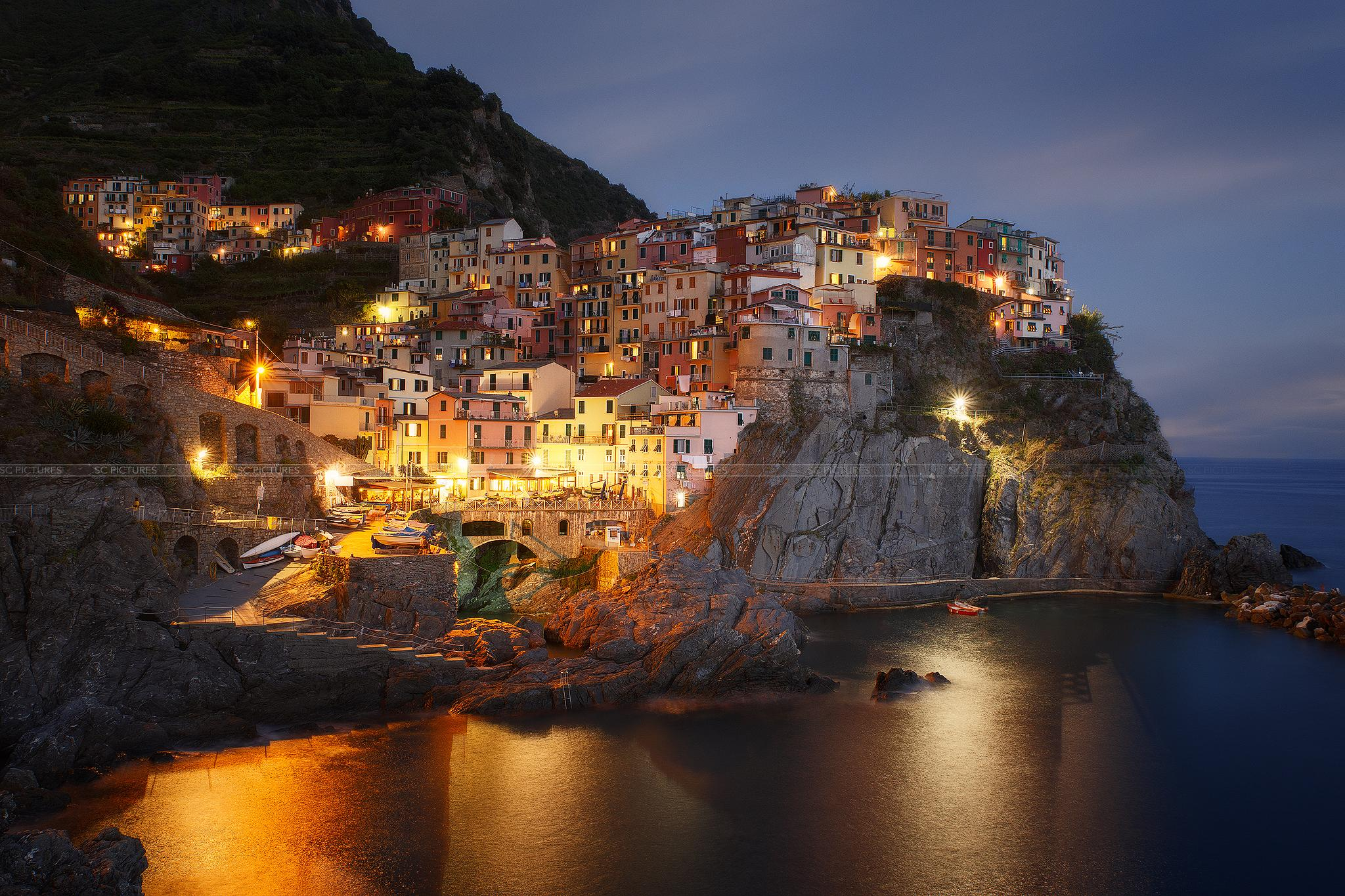 Blue hour at Manarola by scpictures