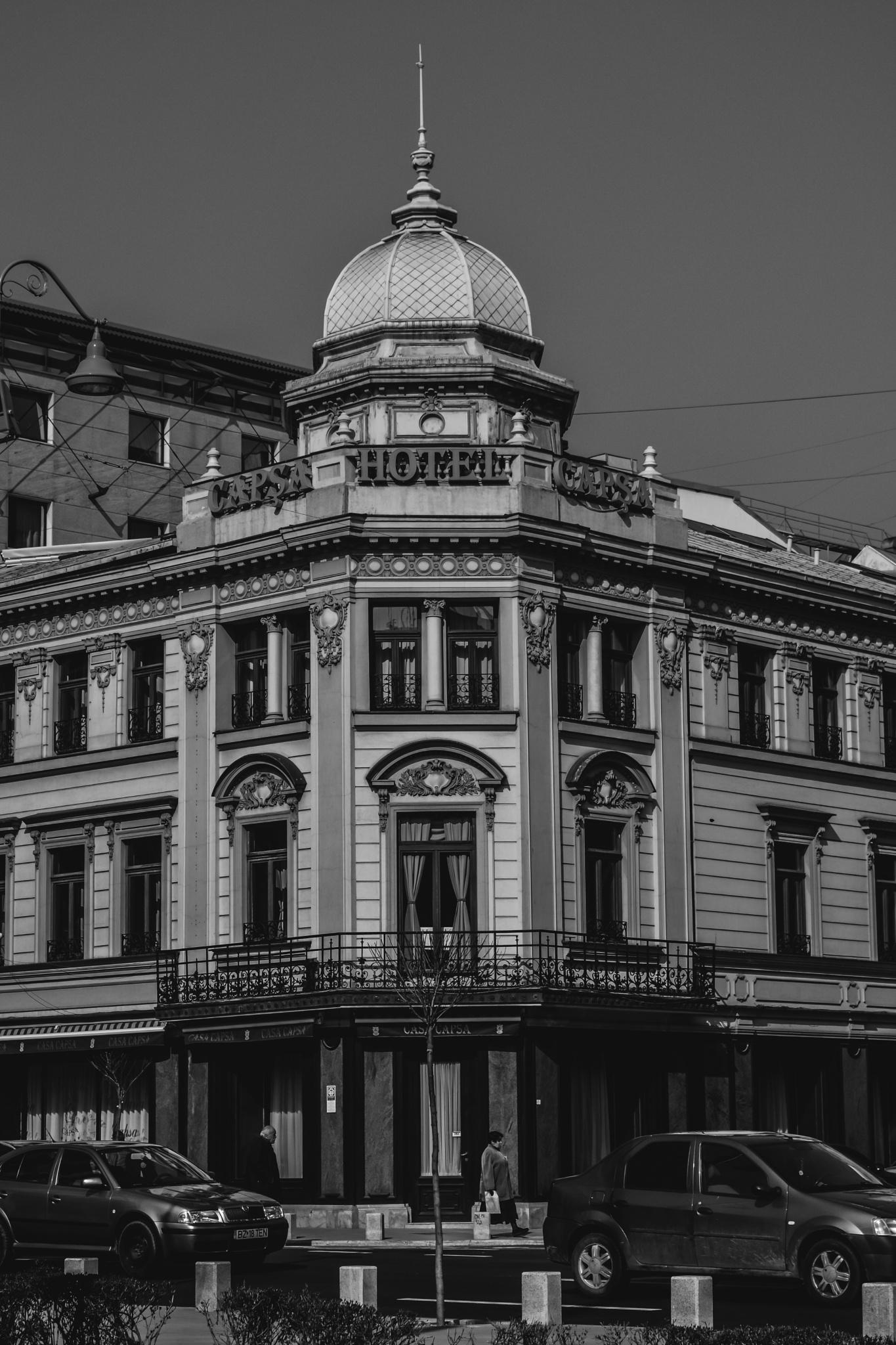 Capsa Hotel in Bucharest by Anariato