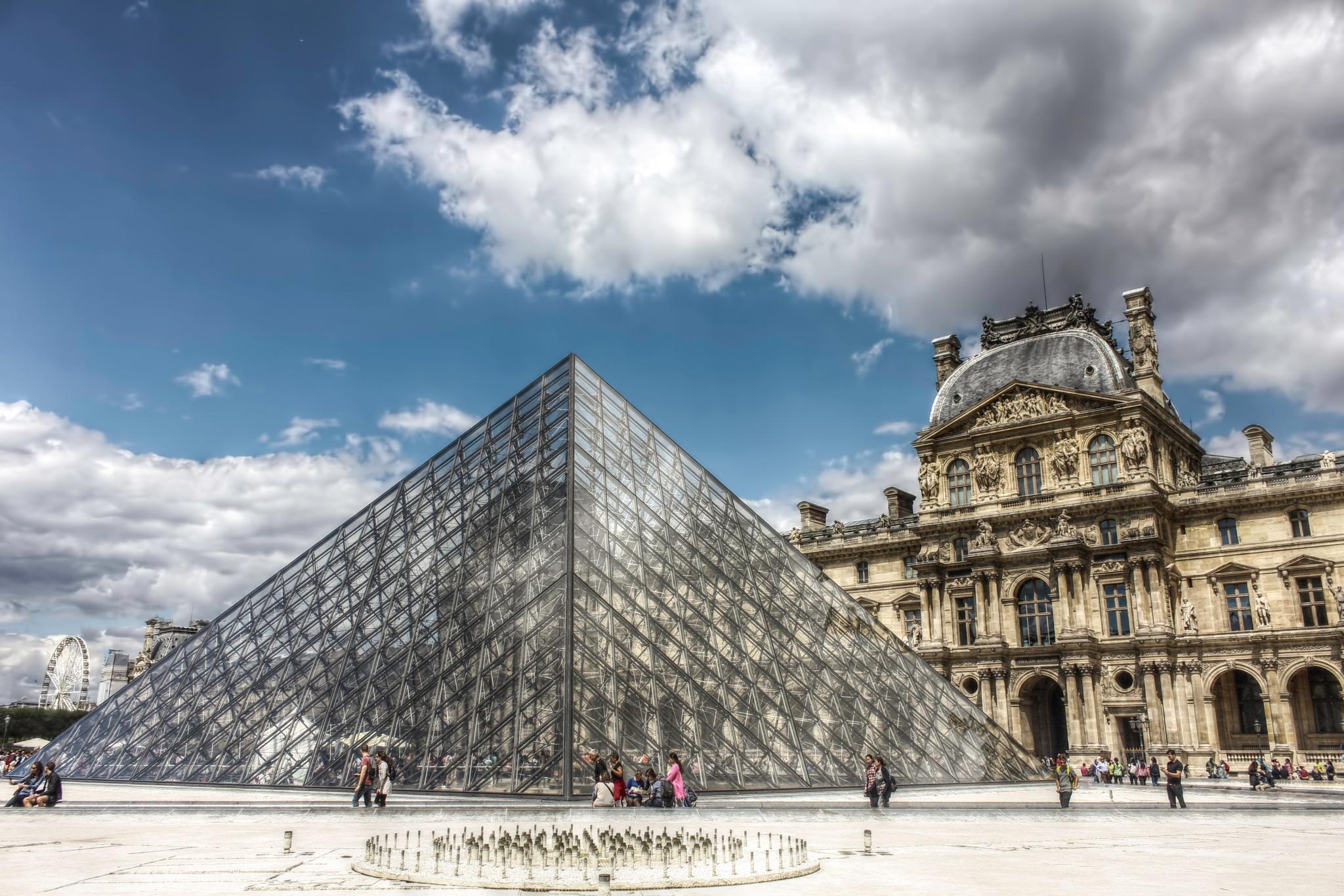 The Louvre by Kashif Yusufzai