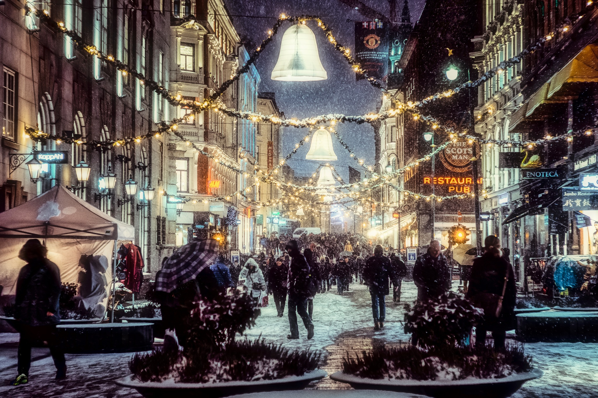 Christmas is close - Advent in Oslo by Goran Jorganovich