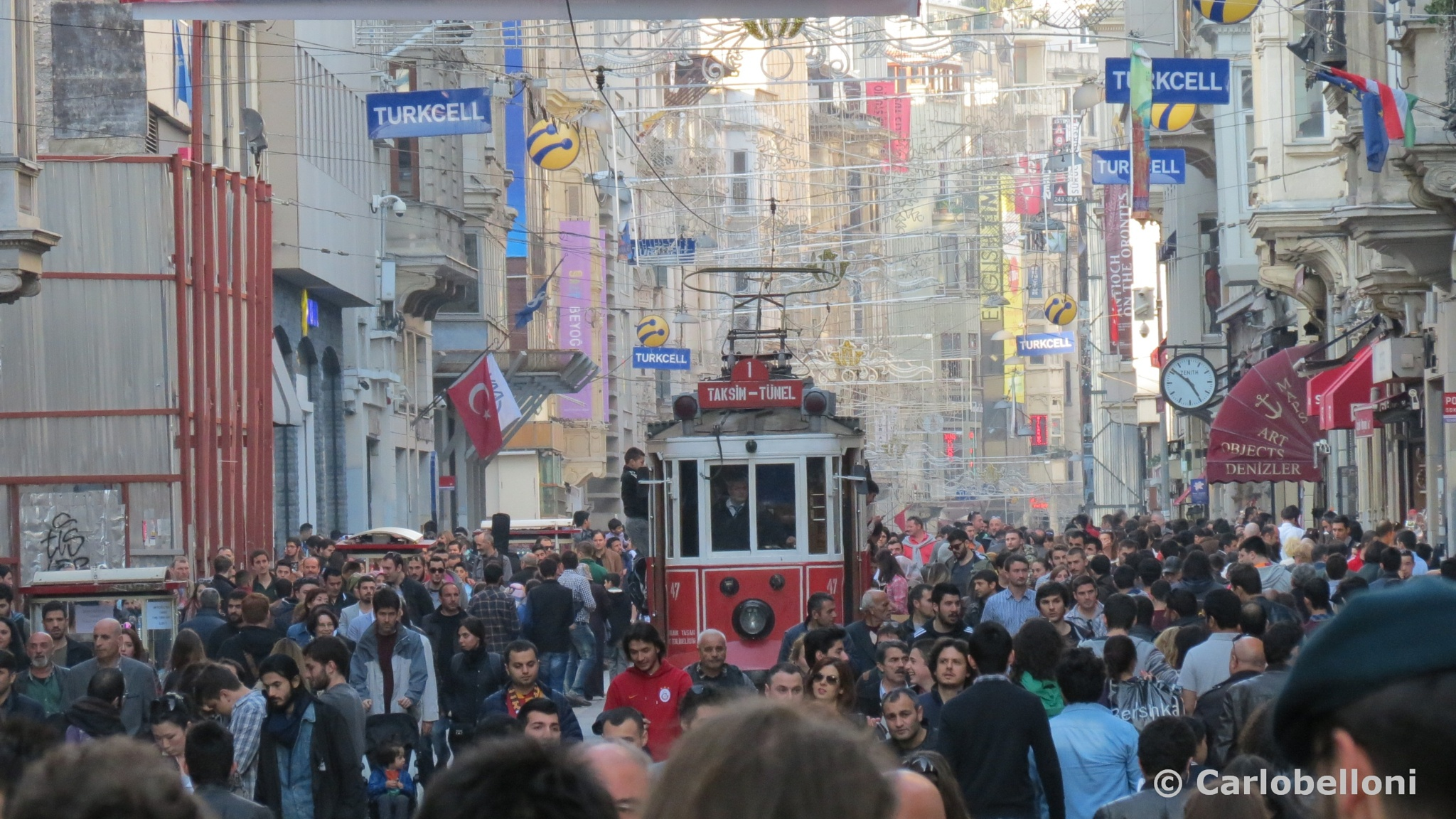 Istanbul - Istiklal Caddesi by carlob52