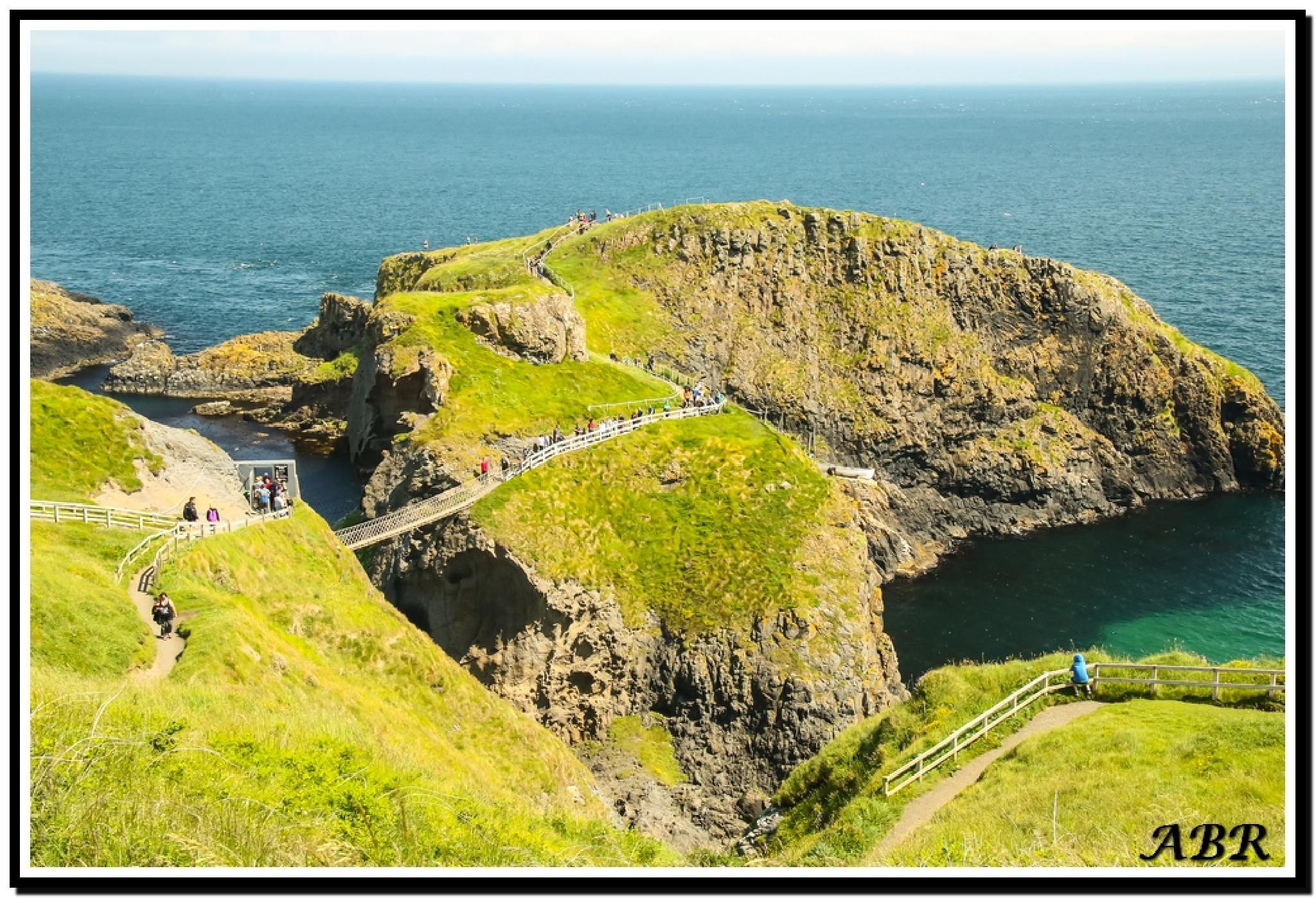 carric a rede rope bridge by ABRossouw
