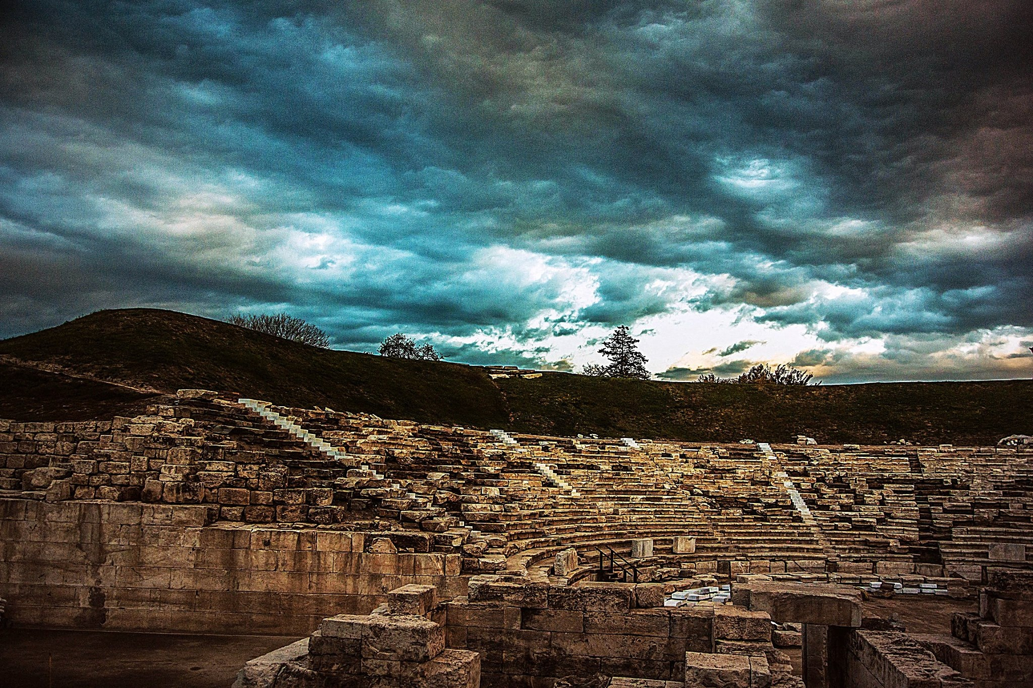 Ancient theatre by Elias Papageorgiou (Drifter Dfr)