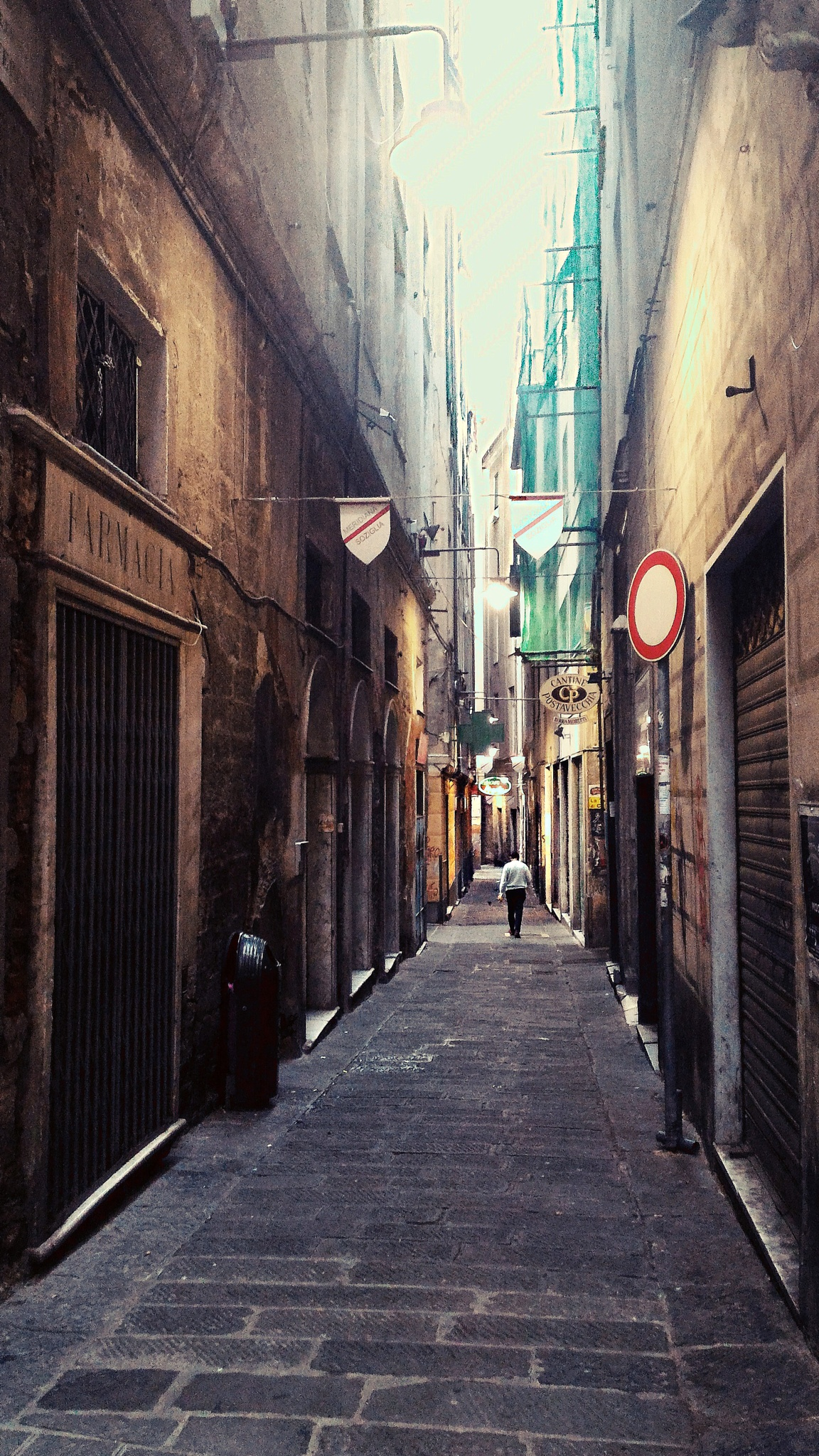 Genoa's alleys by Mistral Moratti