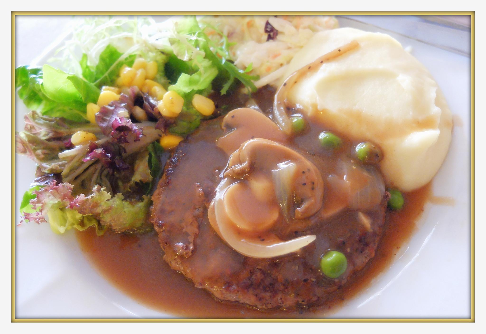 Beef cook in western style by fragranceumlee
