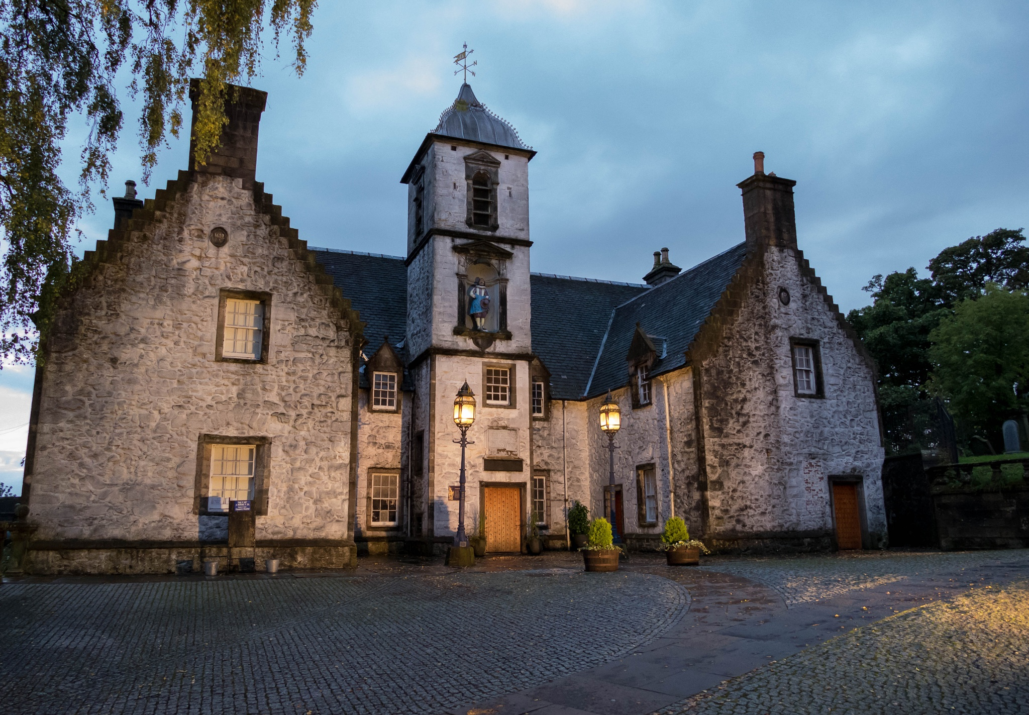 Cowanes Hospital, Stirling by iaincats