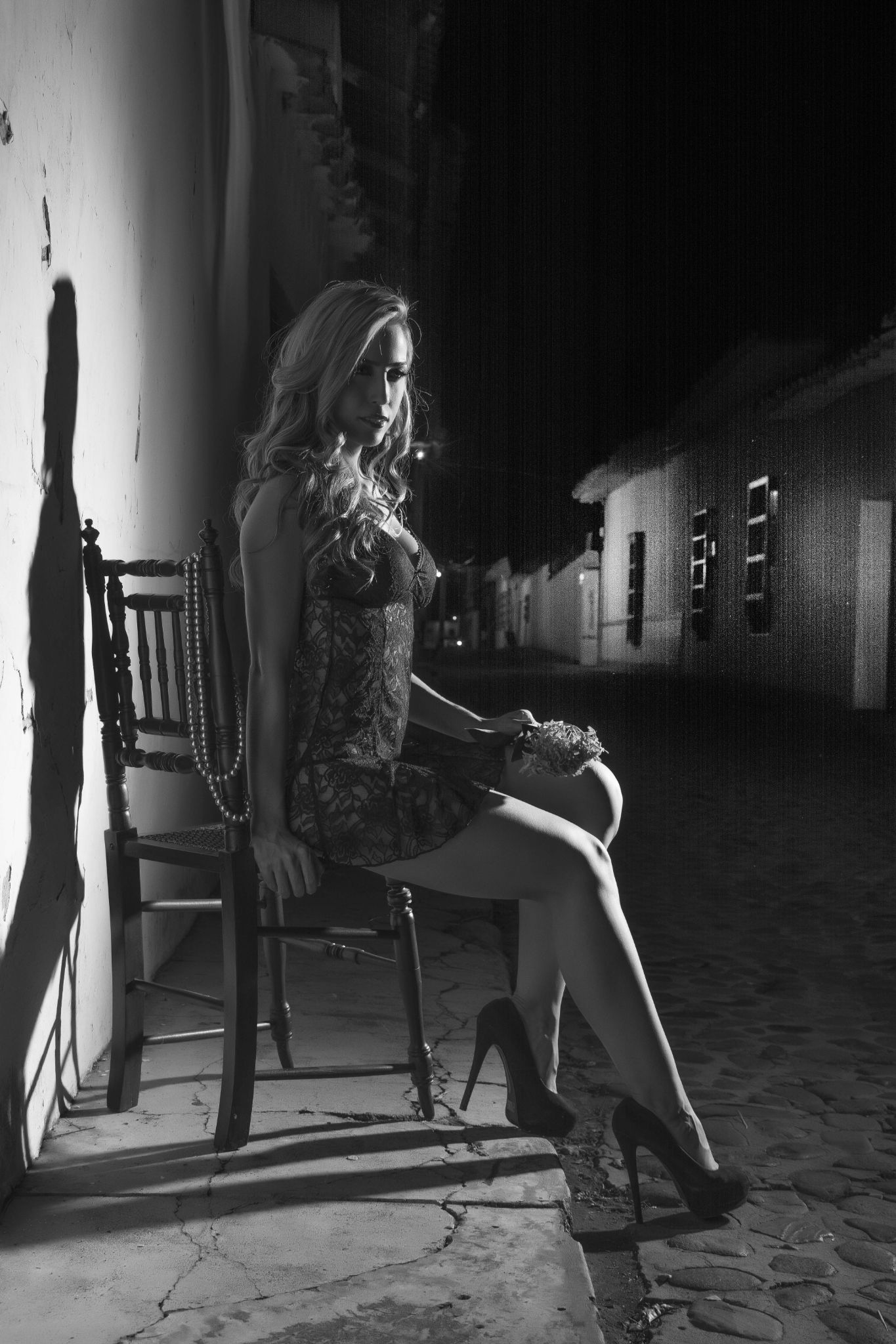 dama de la noche by FERNANDO FERRO