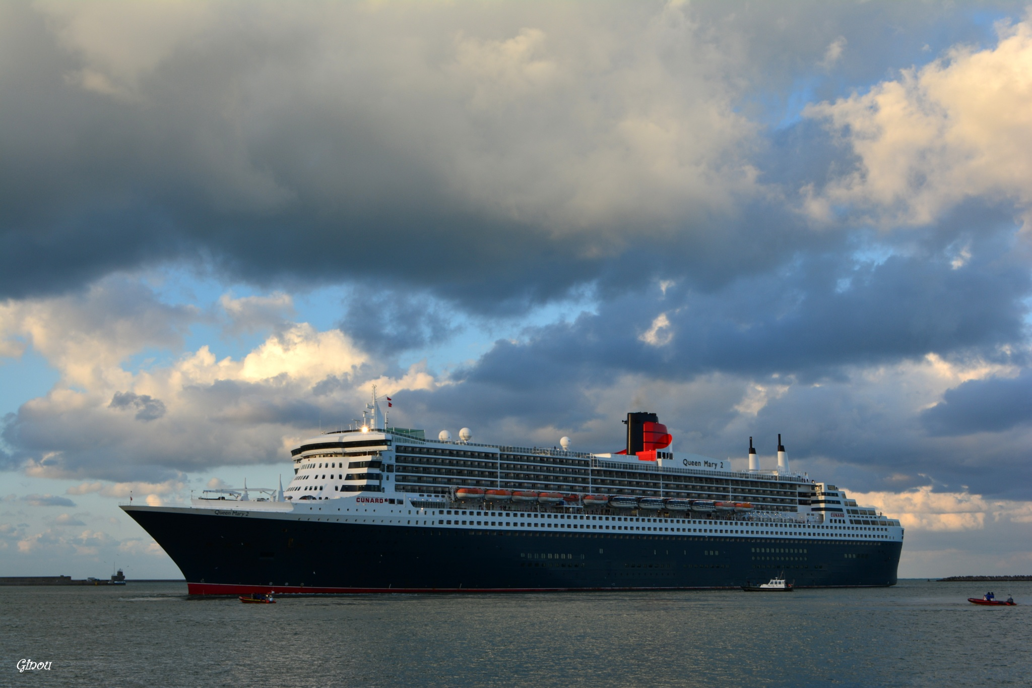 Le Queen Mary II by Creusson Ginette