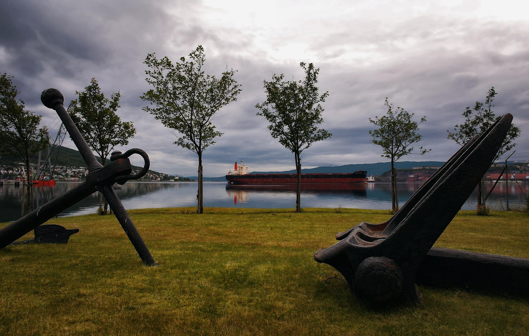 Port of call by John Frost-bite Slettjord