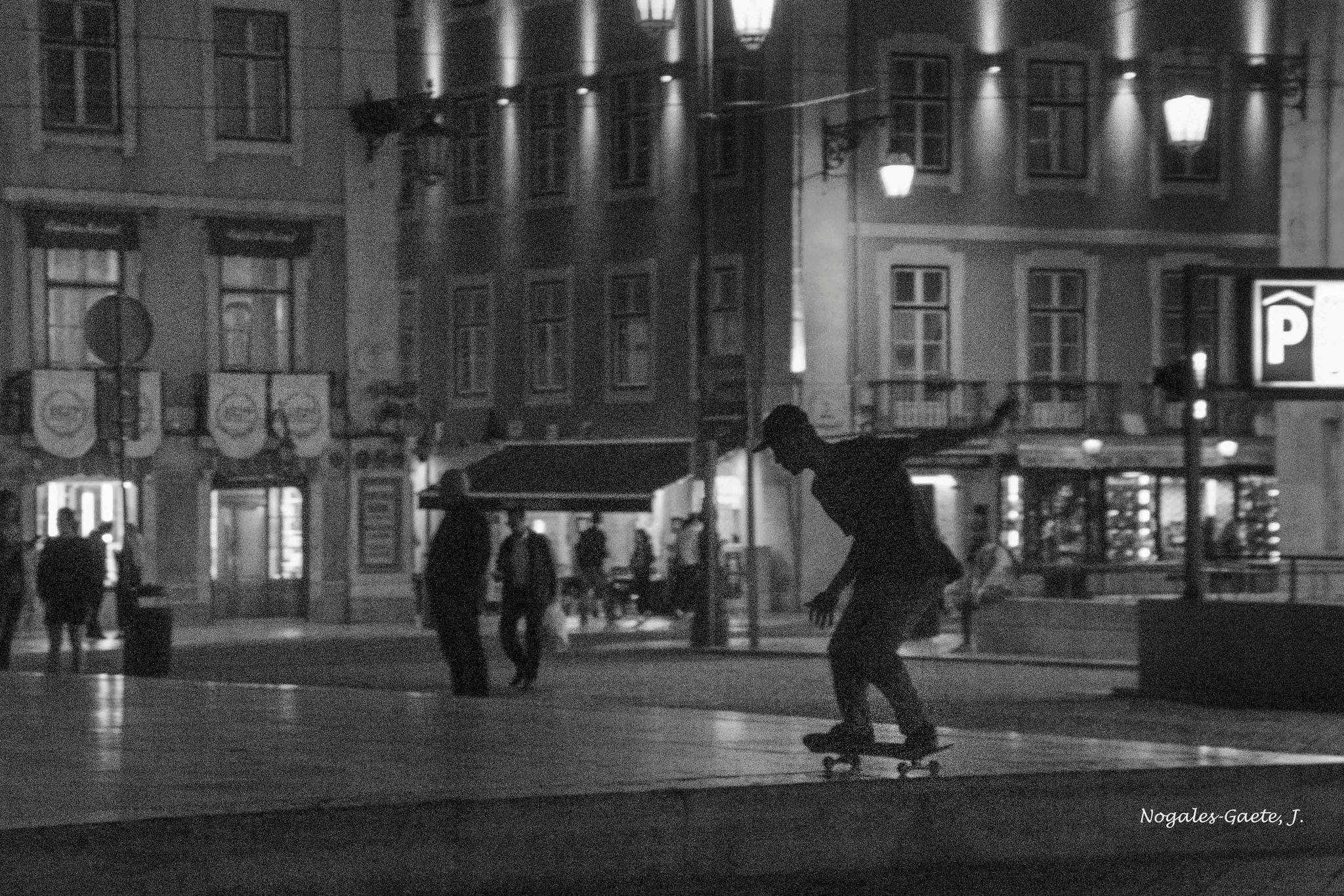 Skating silhouette by Jorge Nogales