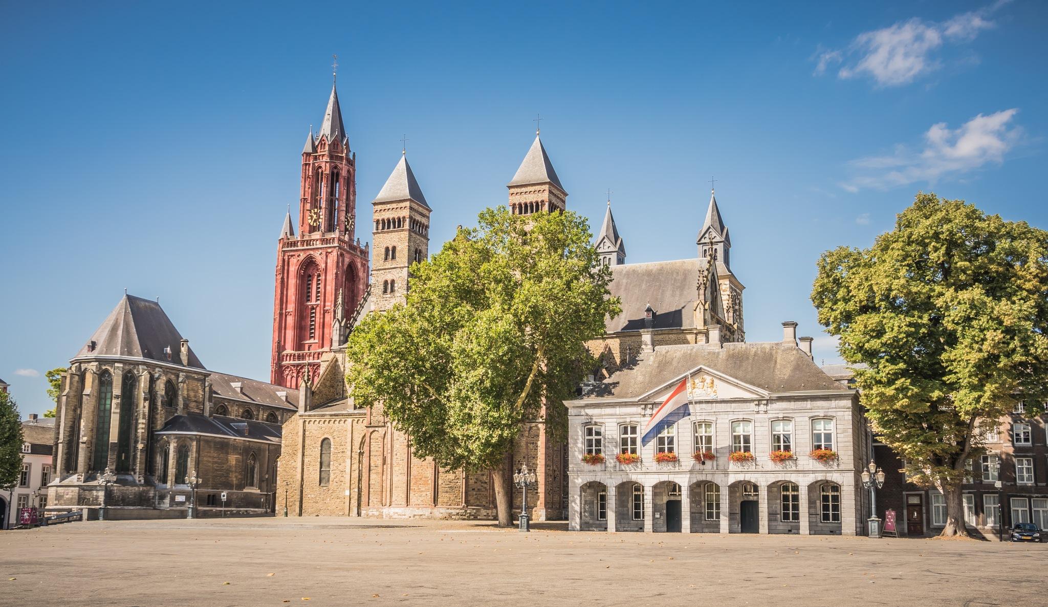 Maastricht by Hans Lunenborg
