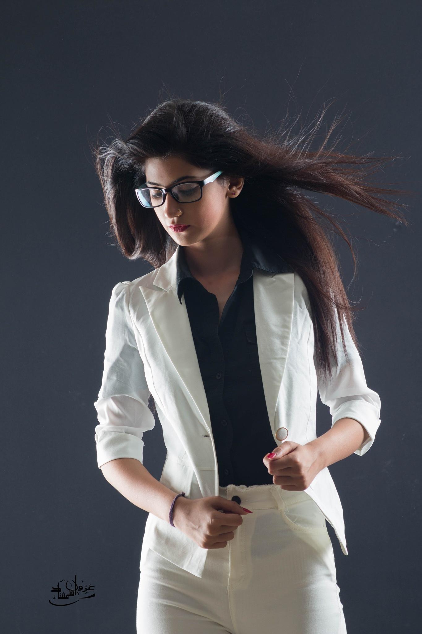 Into the Wind by ghezwanshamshad