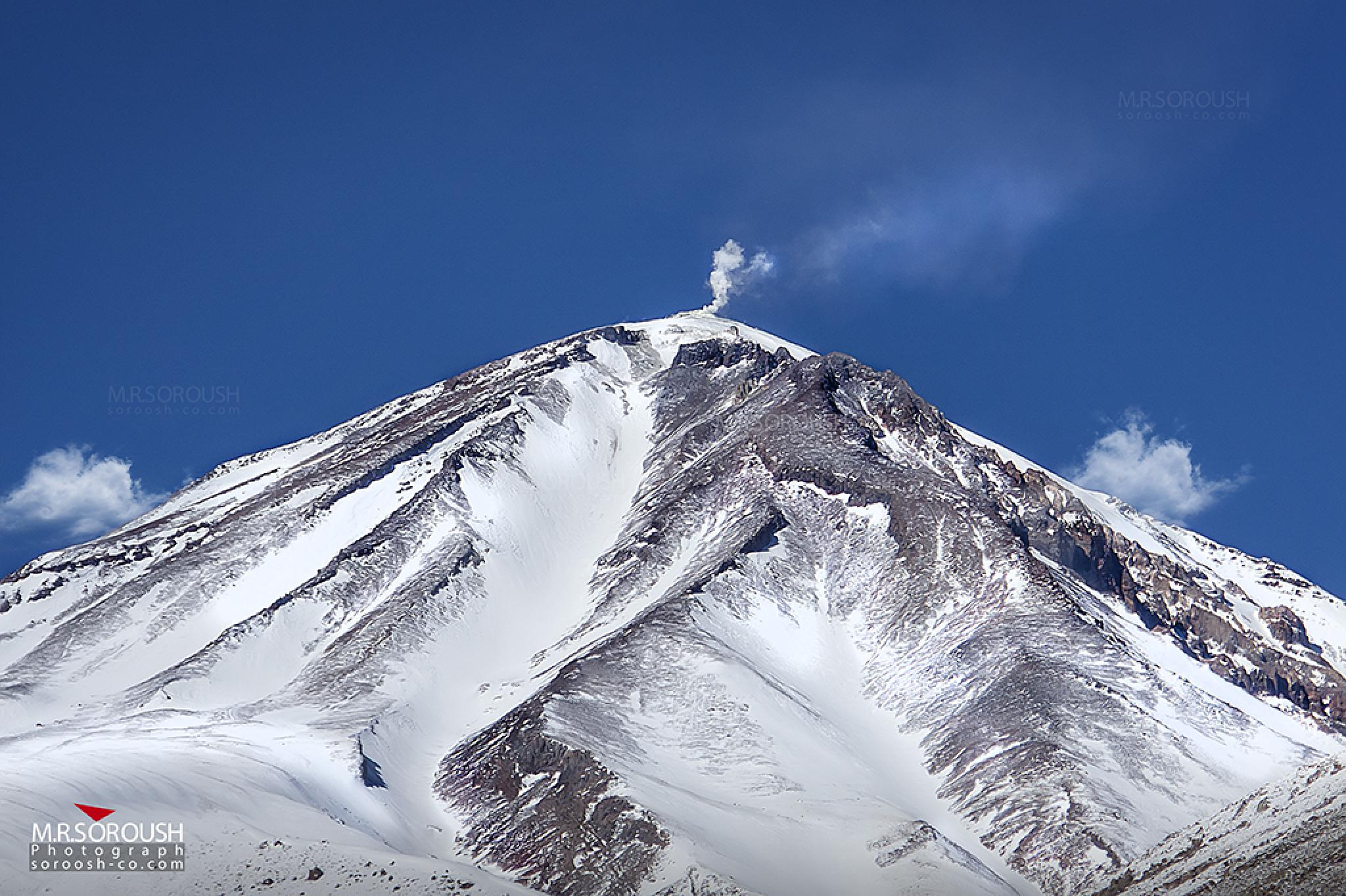 Mount Damavand by Mohammad Reza Soroush