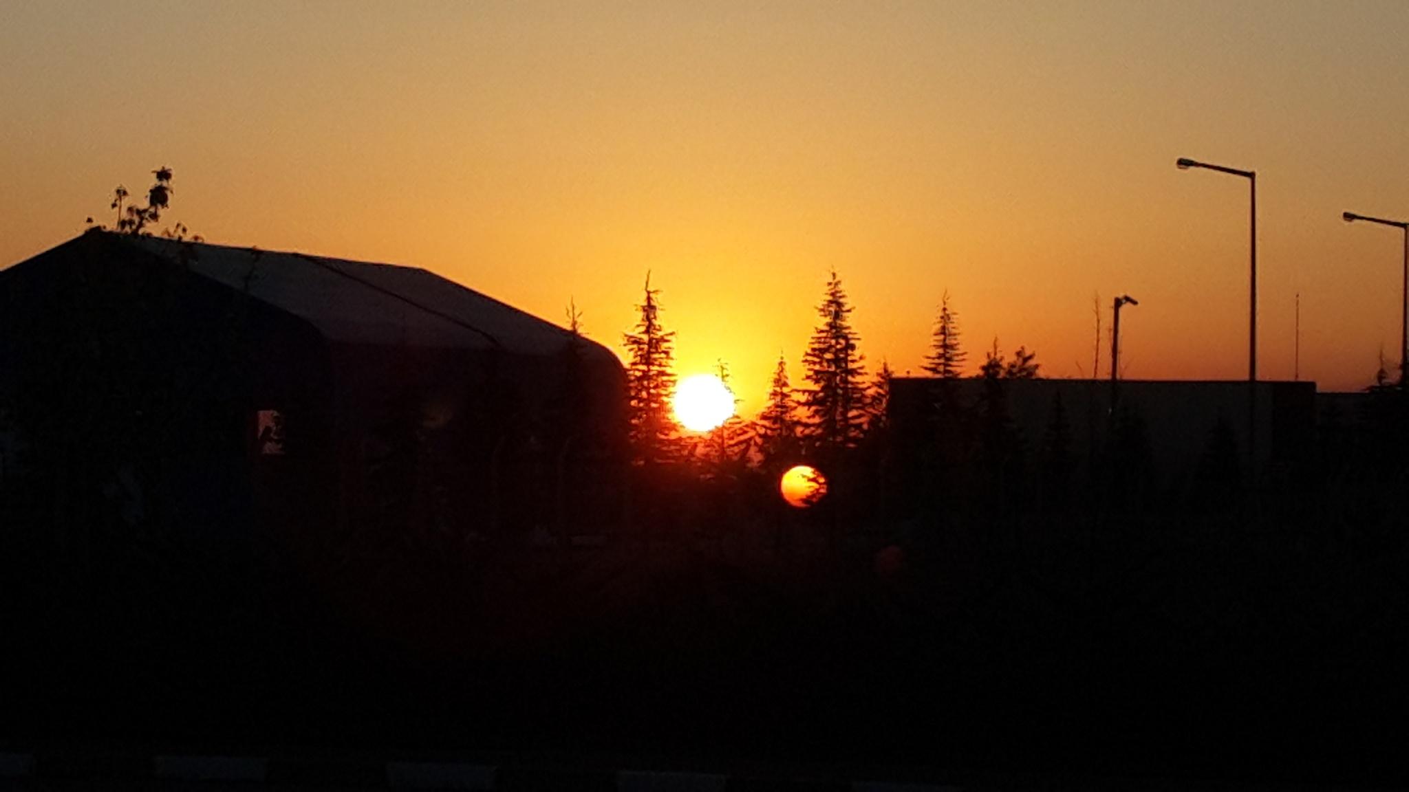 Sun rising. by Danisper