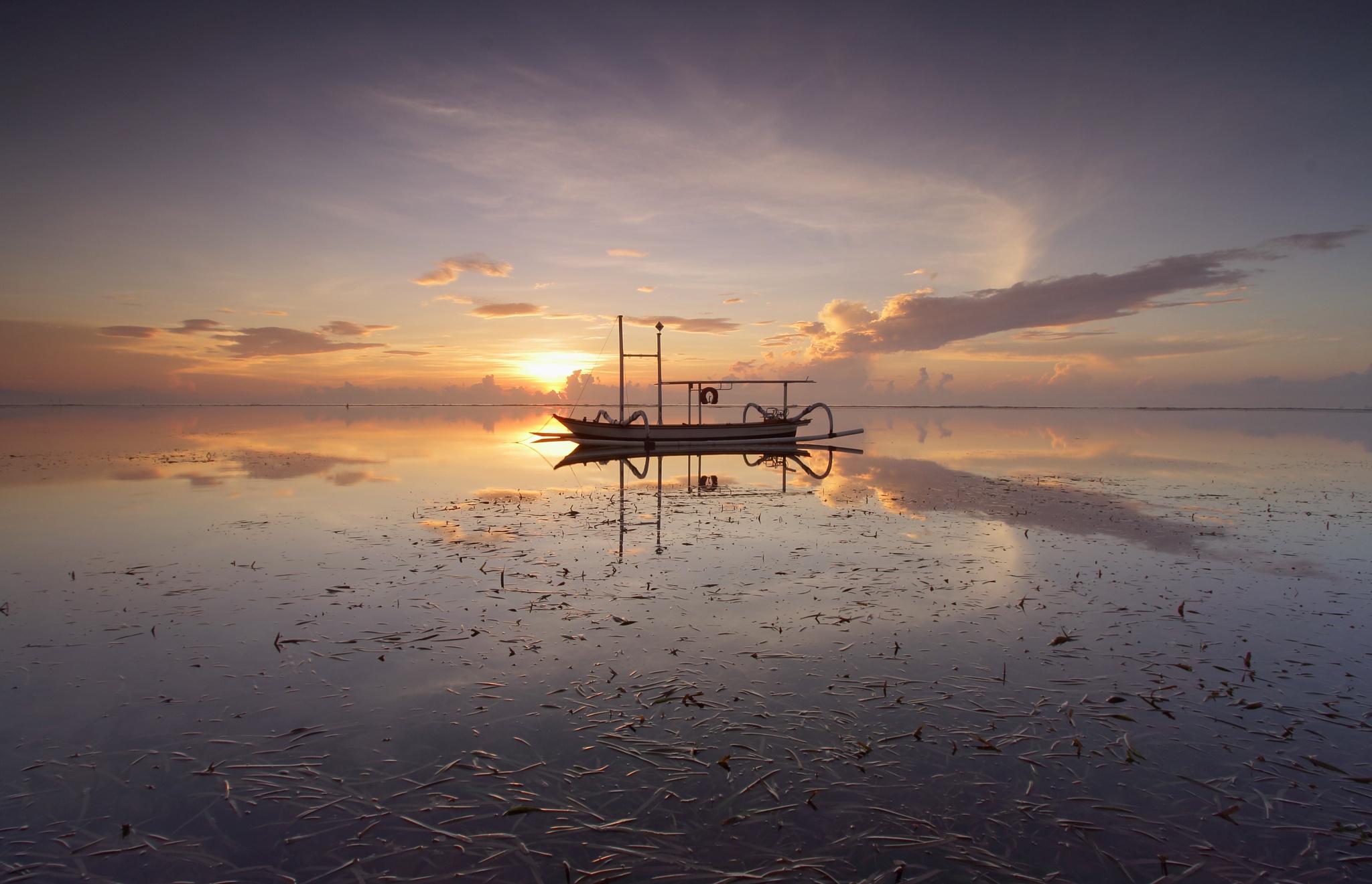 Jukung by Gede Widiarsa