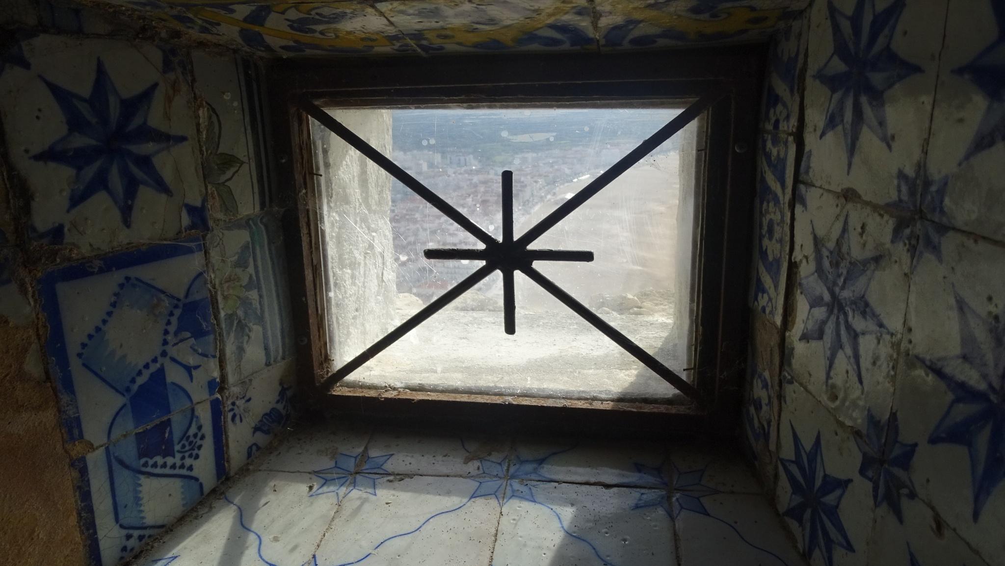 chapel window in nazaré by Luis serra