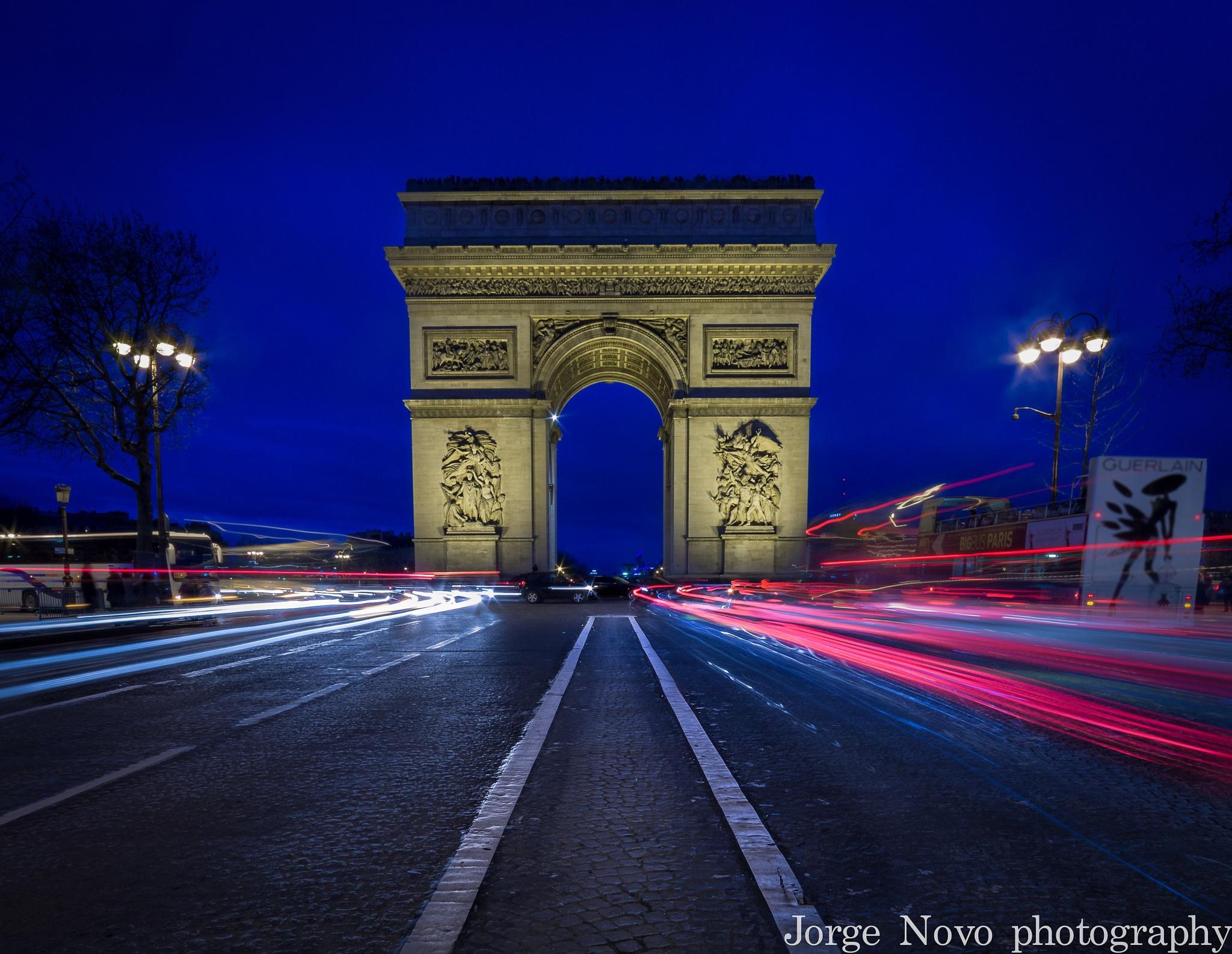 Arco do Triunfo Paris by Jorge Murias