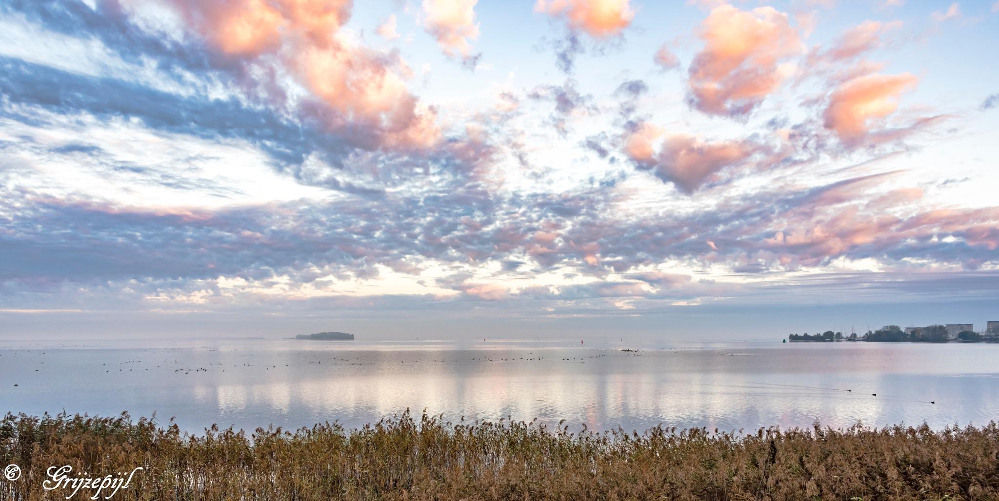 A little fog, a little sunrise an some clouds make a nice view. by        ETWEL © Fotografie