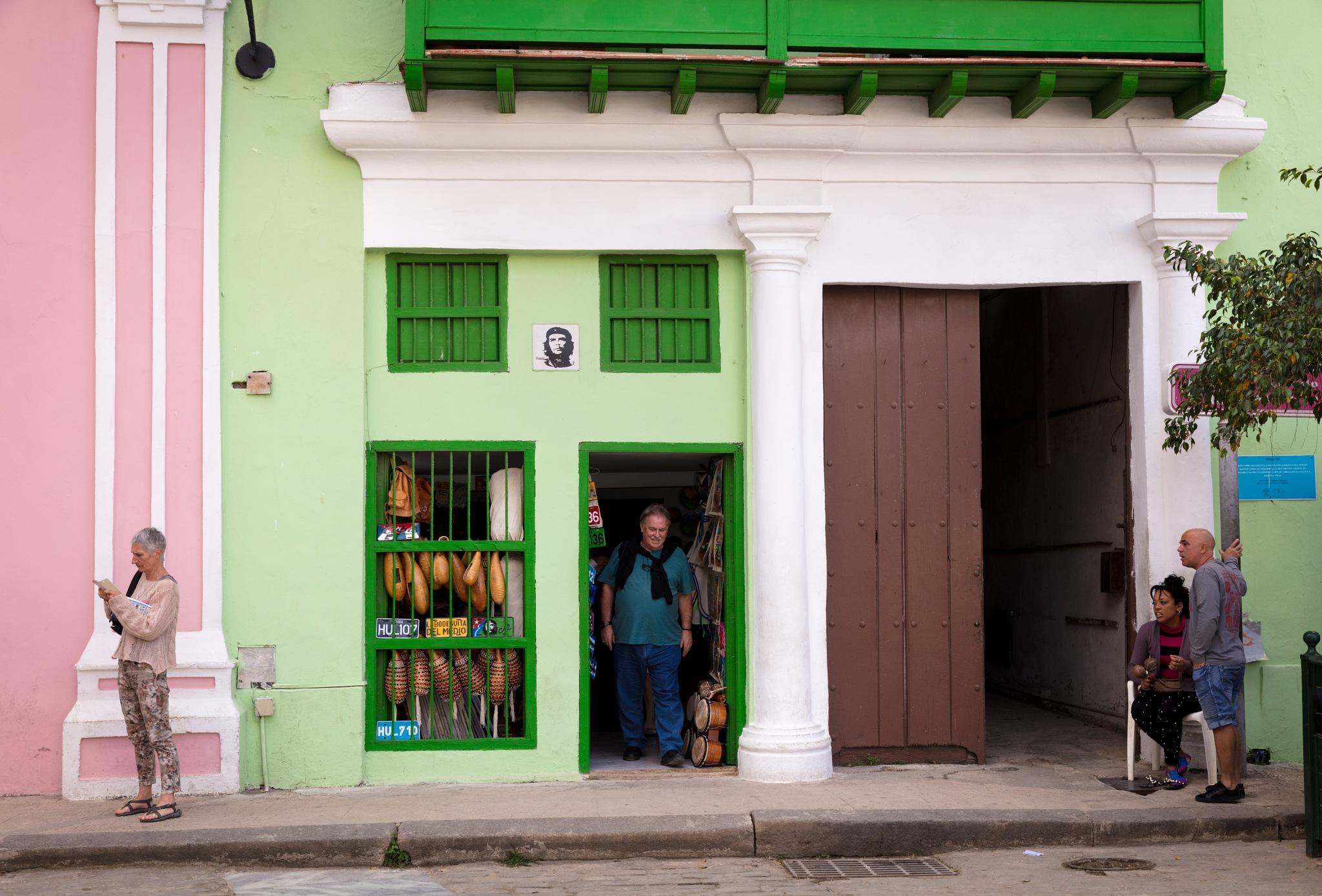 Havana Shopping by kpharney