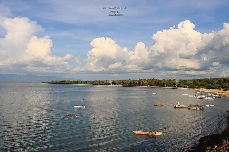 Lasiana Beach kupang NTT by Rwynd