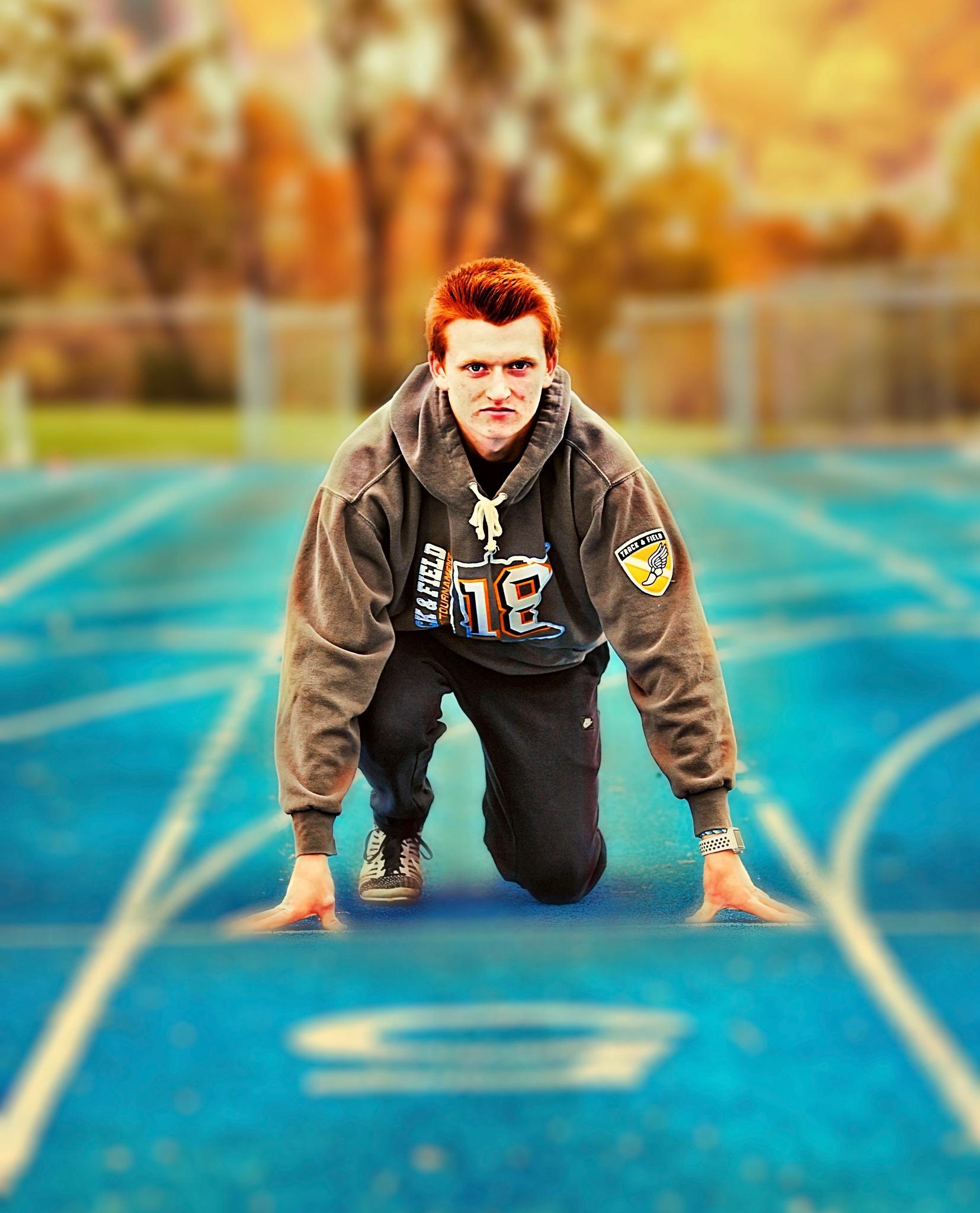 Senior shoot track star by Randy J Smith Photography