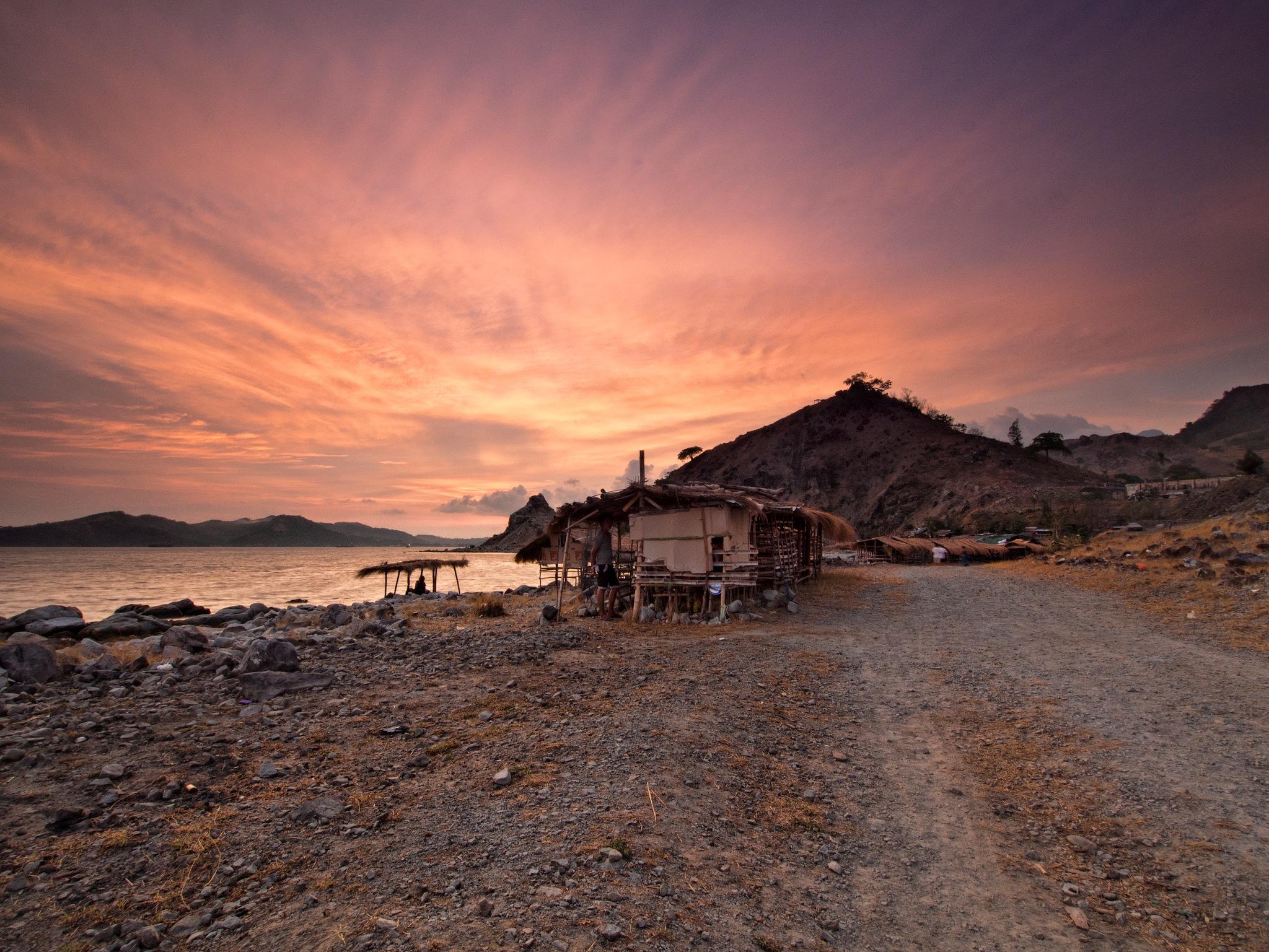 Sunset at Sisiman Bay, Mariveles, Bataan, Philippines by KurtzOrtiz