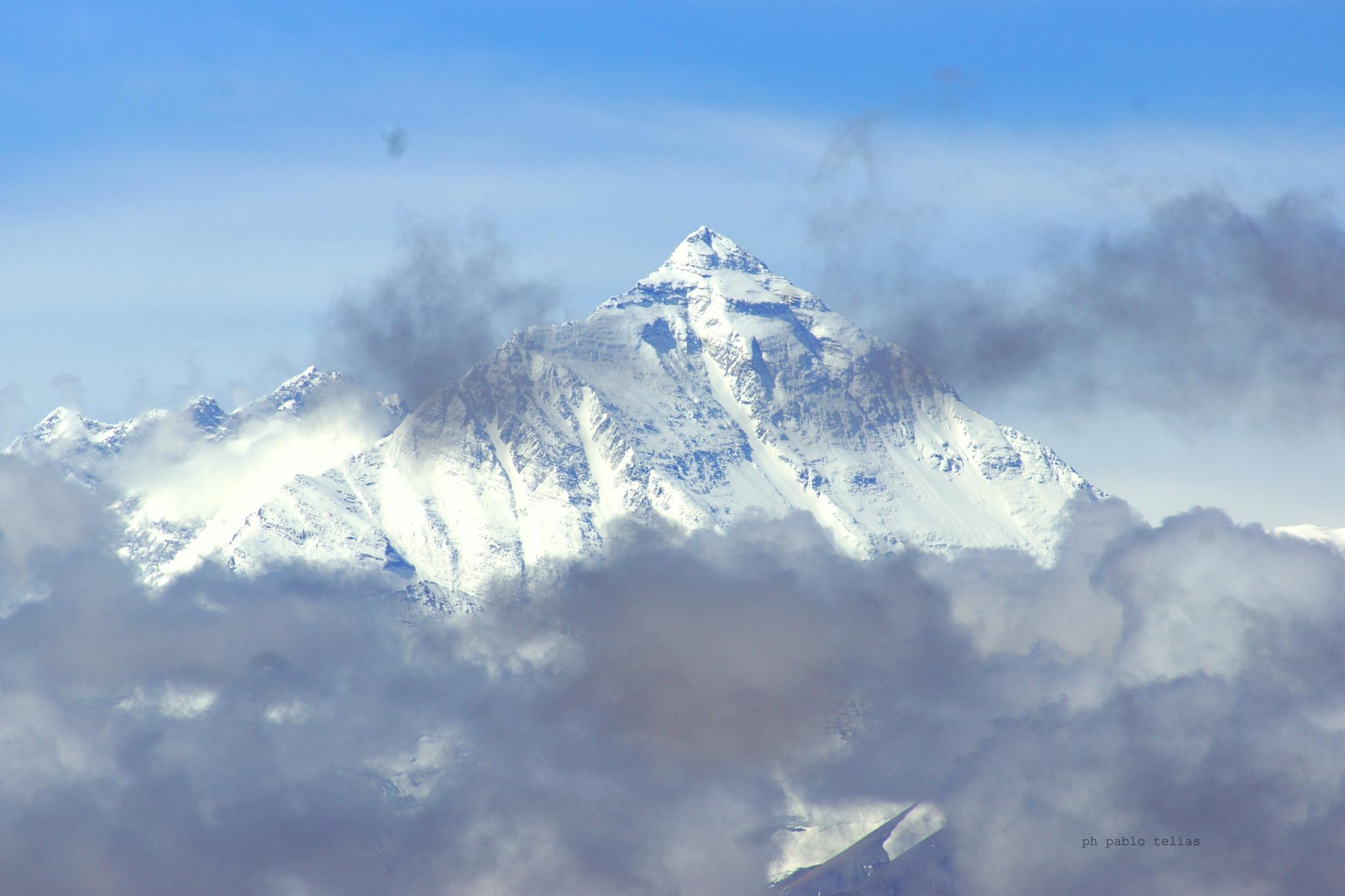 Everest by PabloT