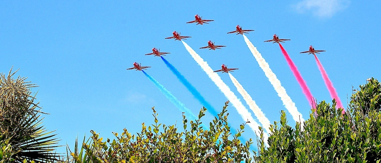 Red Arrows. by John Cater