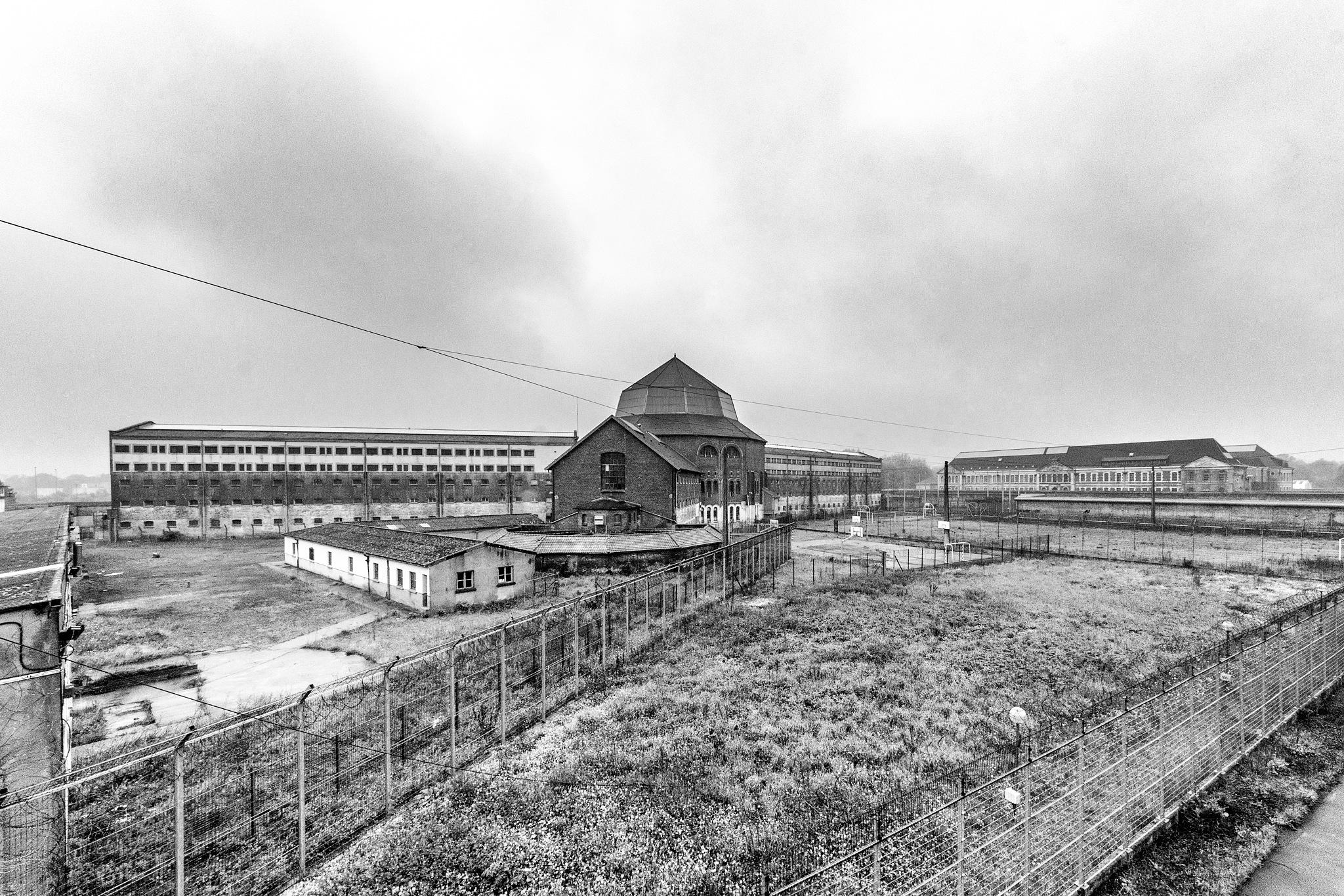 Prison H15 by Bz Photo
