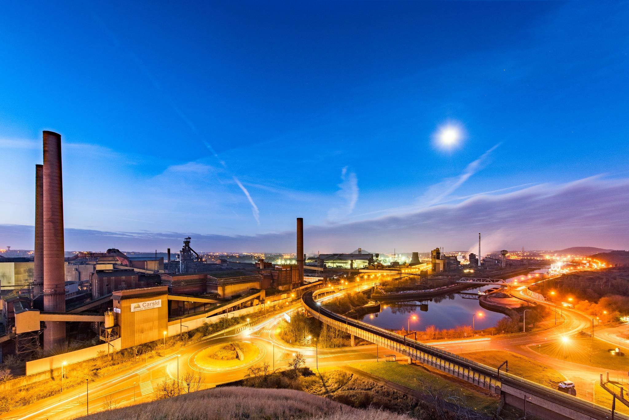 Heavy industrie by Bz Photo