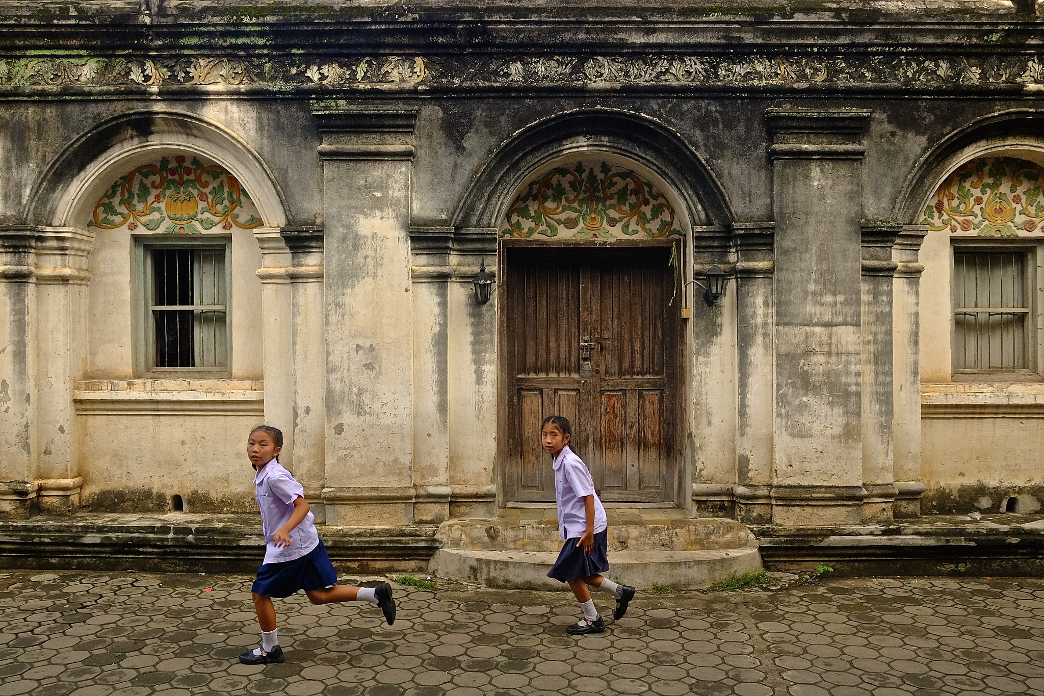 Quickly!, Chiang Mai, Thailand by JohnMilligan