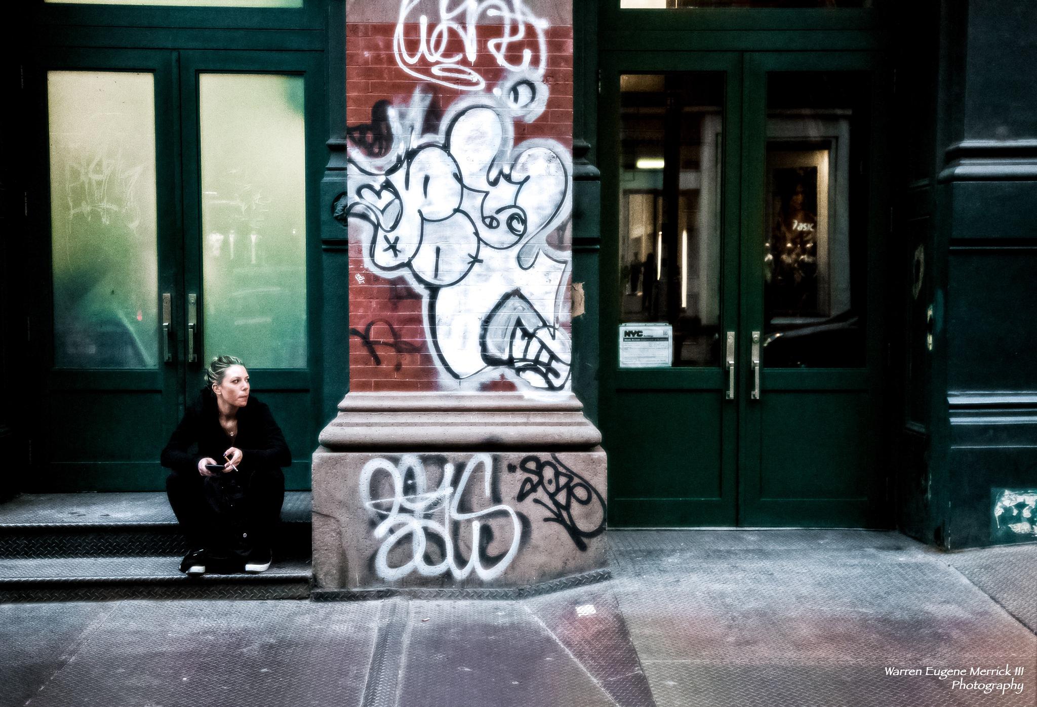 Graffiti Girl  by WarrenEugeneMerrickIII