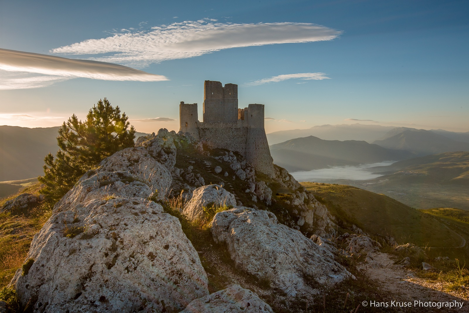 The old castle  by Hans Kruse
