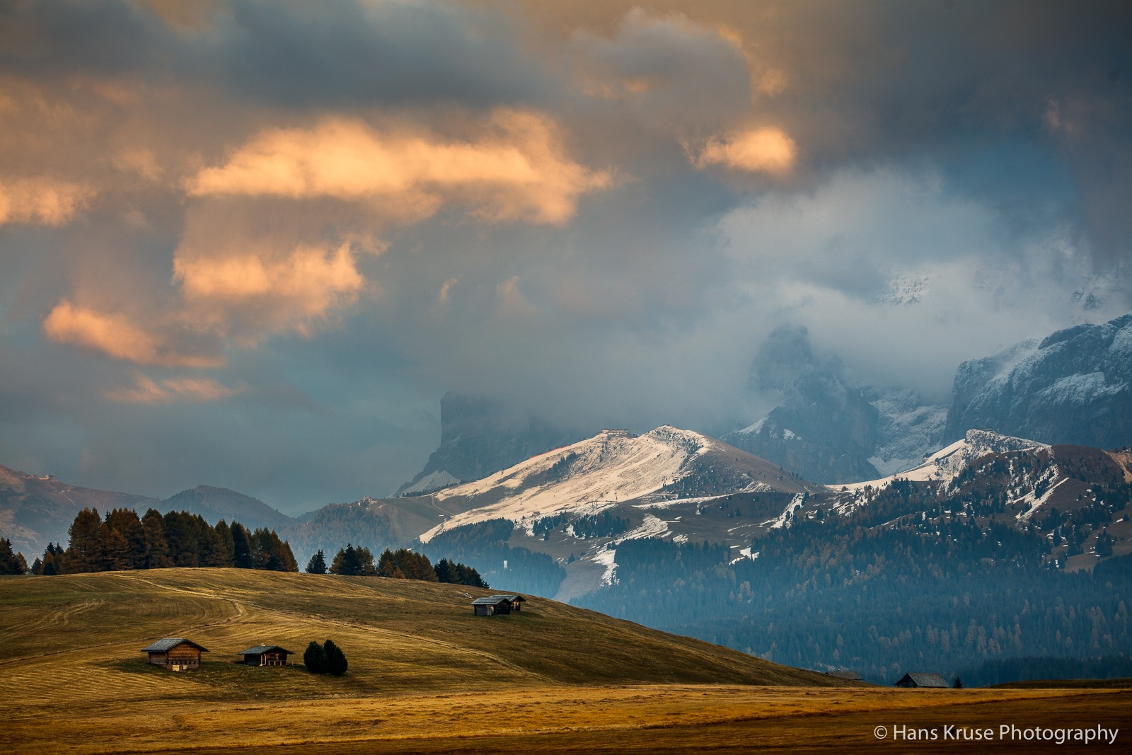 Sunset in Alpe di Siusi by Hans Kruse