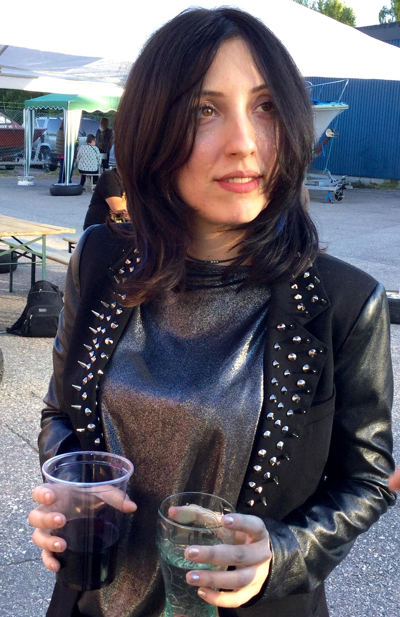 Singer Anna Baard  by Sabine Dechow