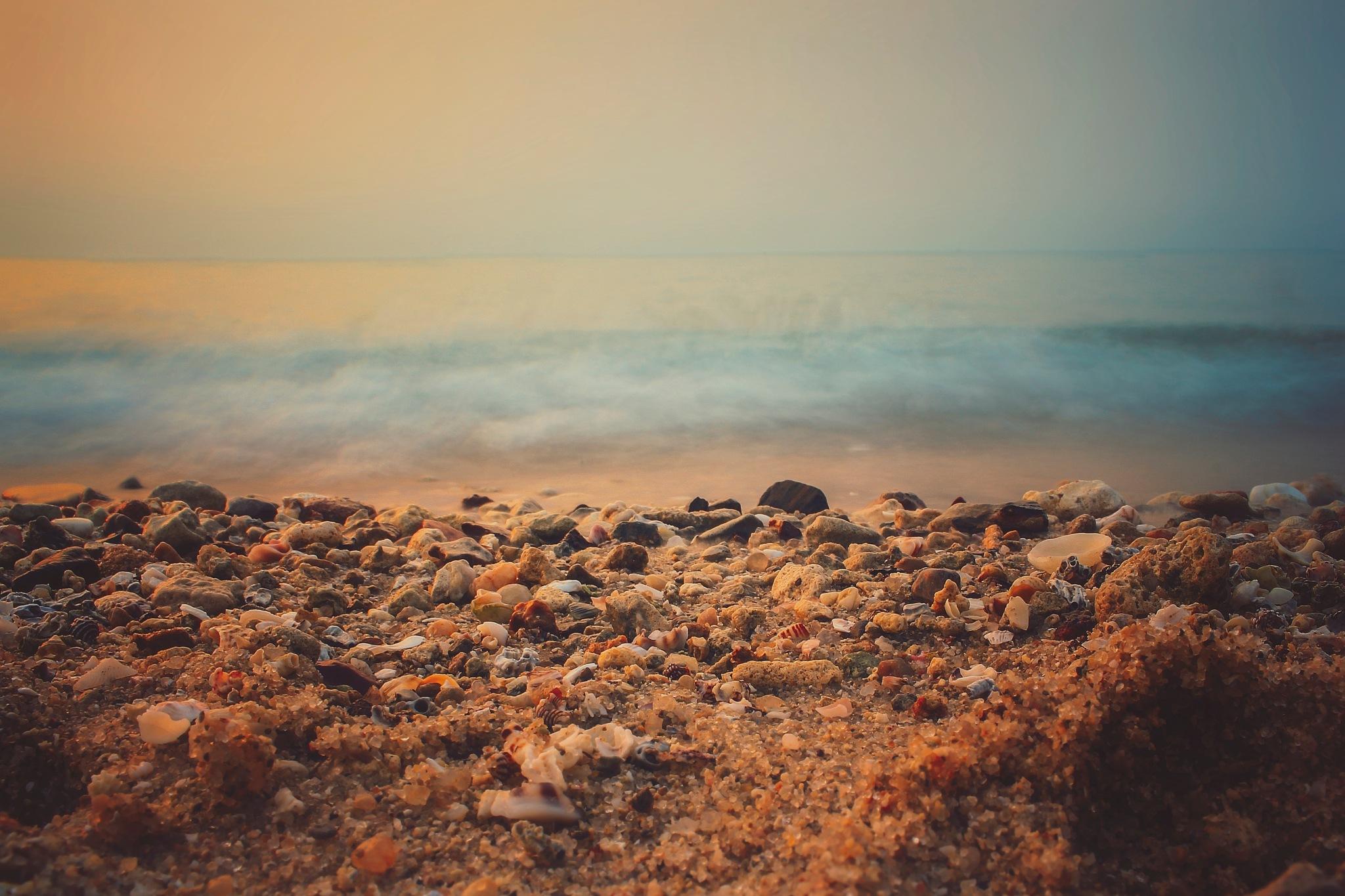 Sea side by Zeeshan Ashraf