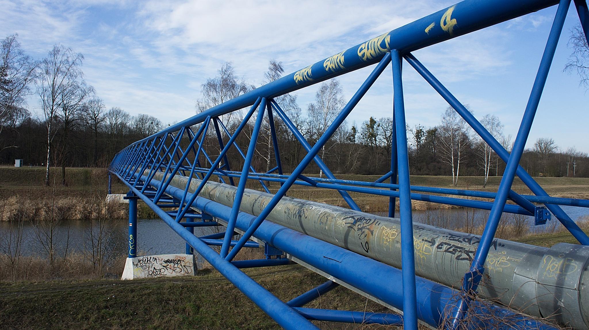 Tubular bridge by kleckaj6