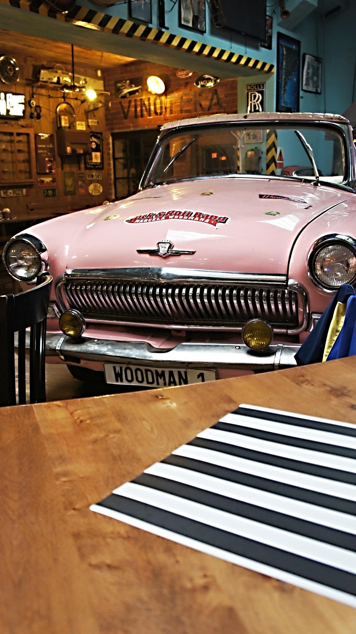 Pink car by kleckaj6