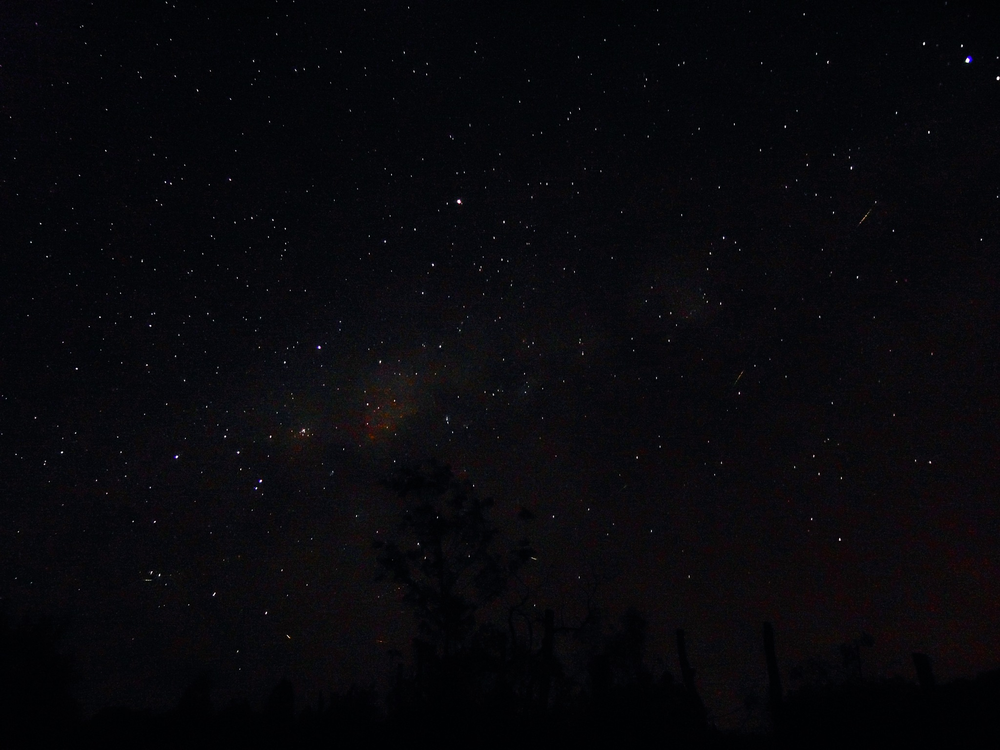 céu a noite visto da cidade de piedade das gerais by Robert Leal