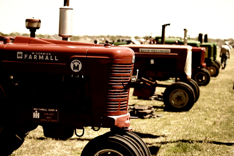 Classic Tractors by Gregory Conder