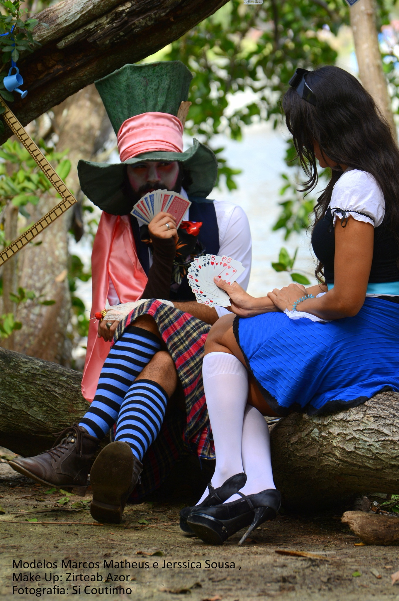 A romance between Alice and the Mad Hatter by sicoutinhofotografia