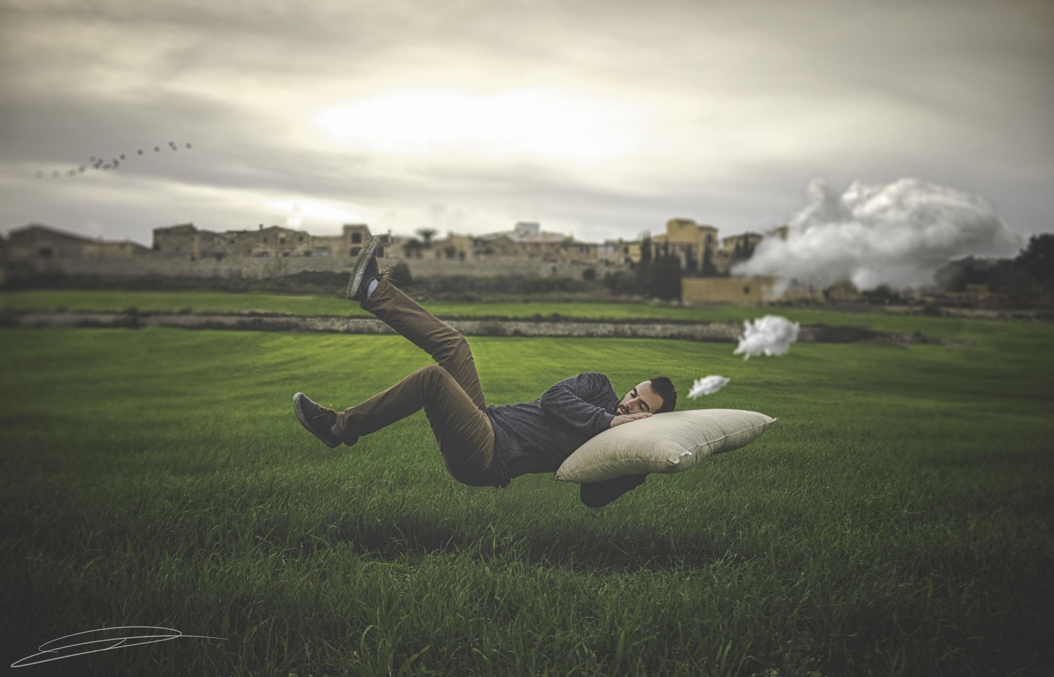 Dreaming by Daniel Gómez Suasi