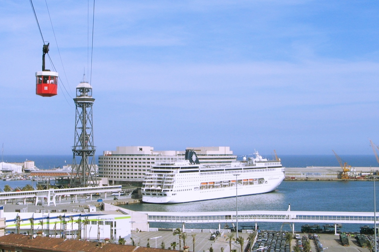 Barcelona - view to a cruiseship by hermantaels