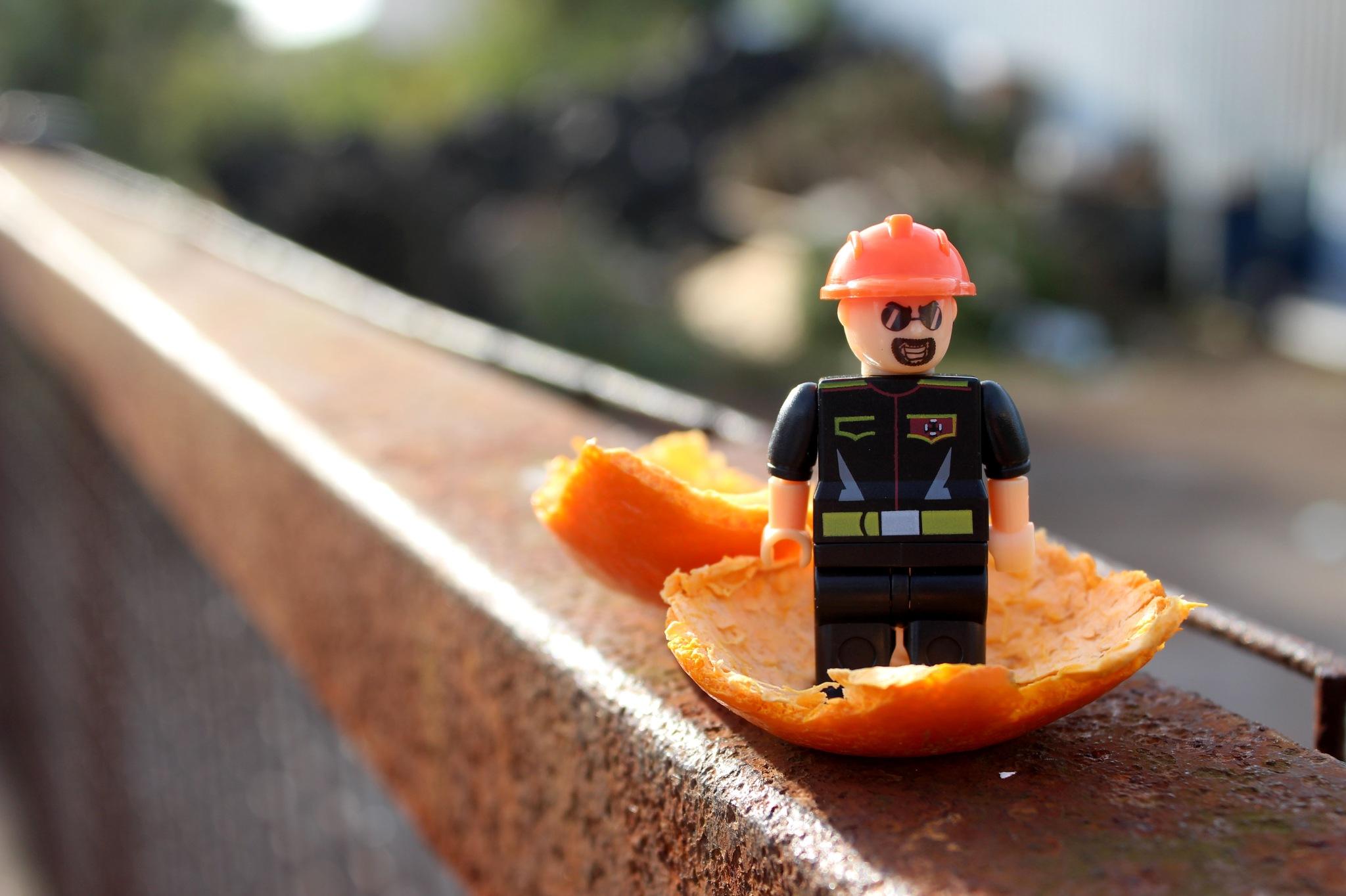 Lego Man  by daisydeloris