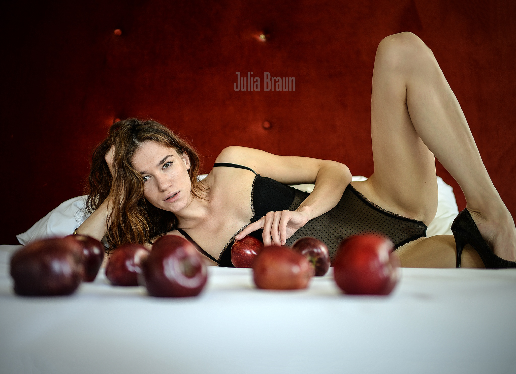 Red apples by JuliaBraun