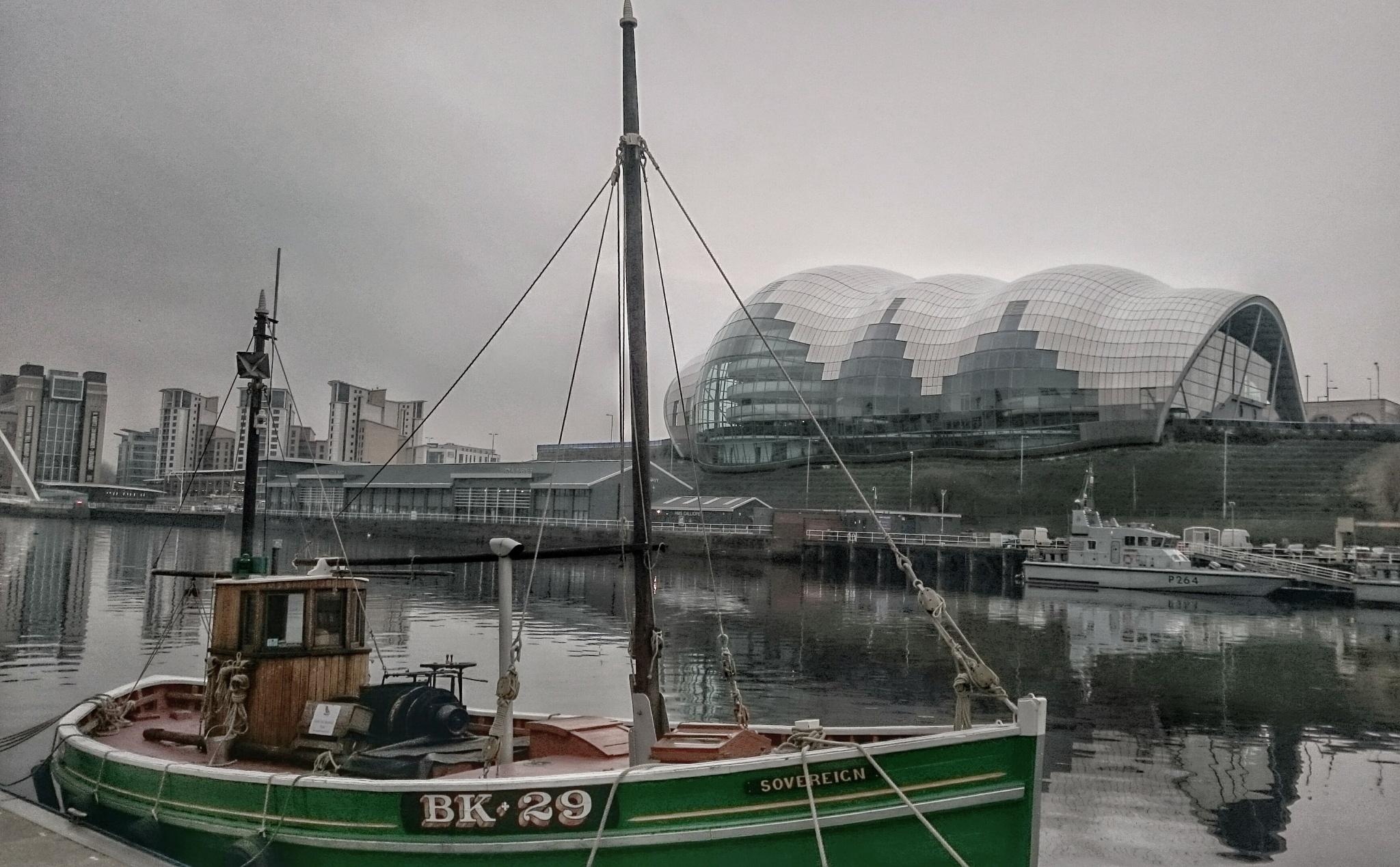 River Tyne today  by Darren Turner