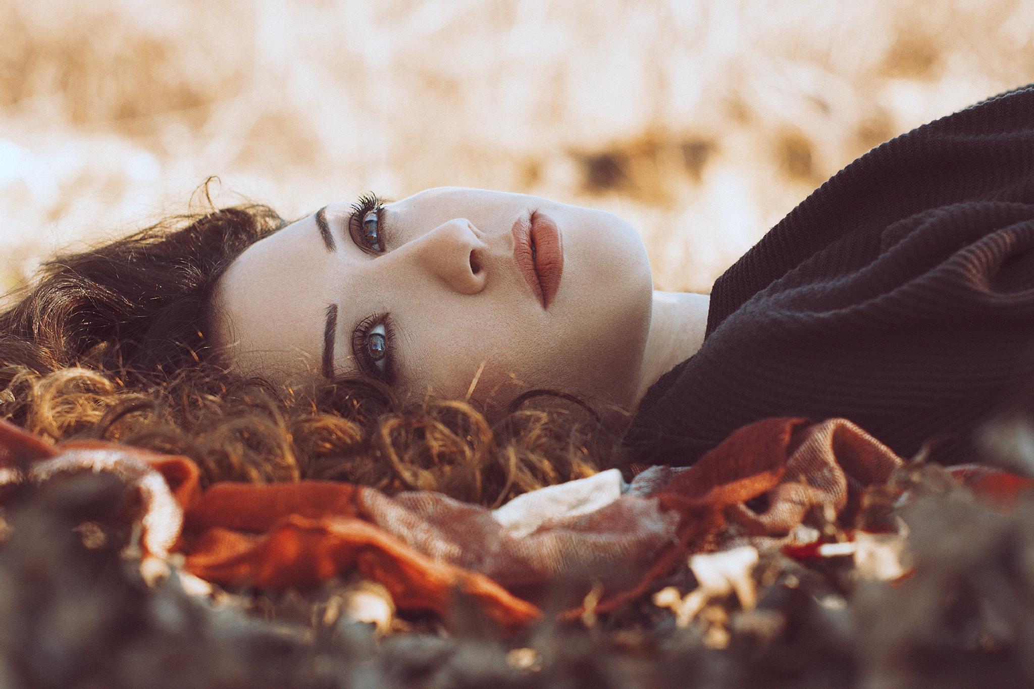 Thinking by Omar Fotografia