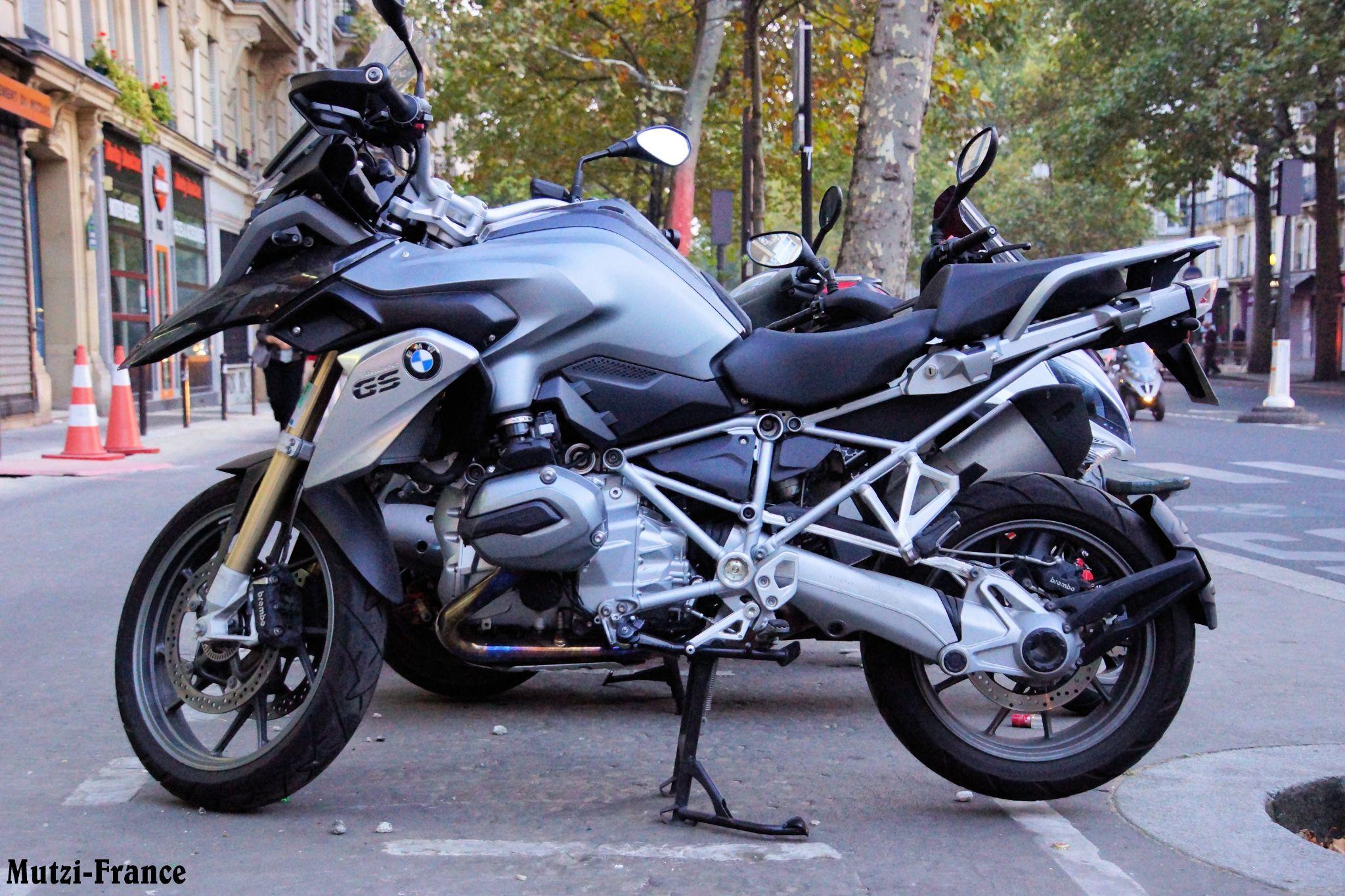 Moto ! by hanspeterfassmann